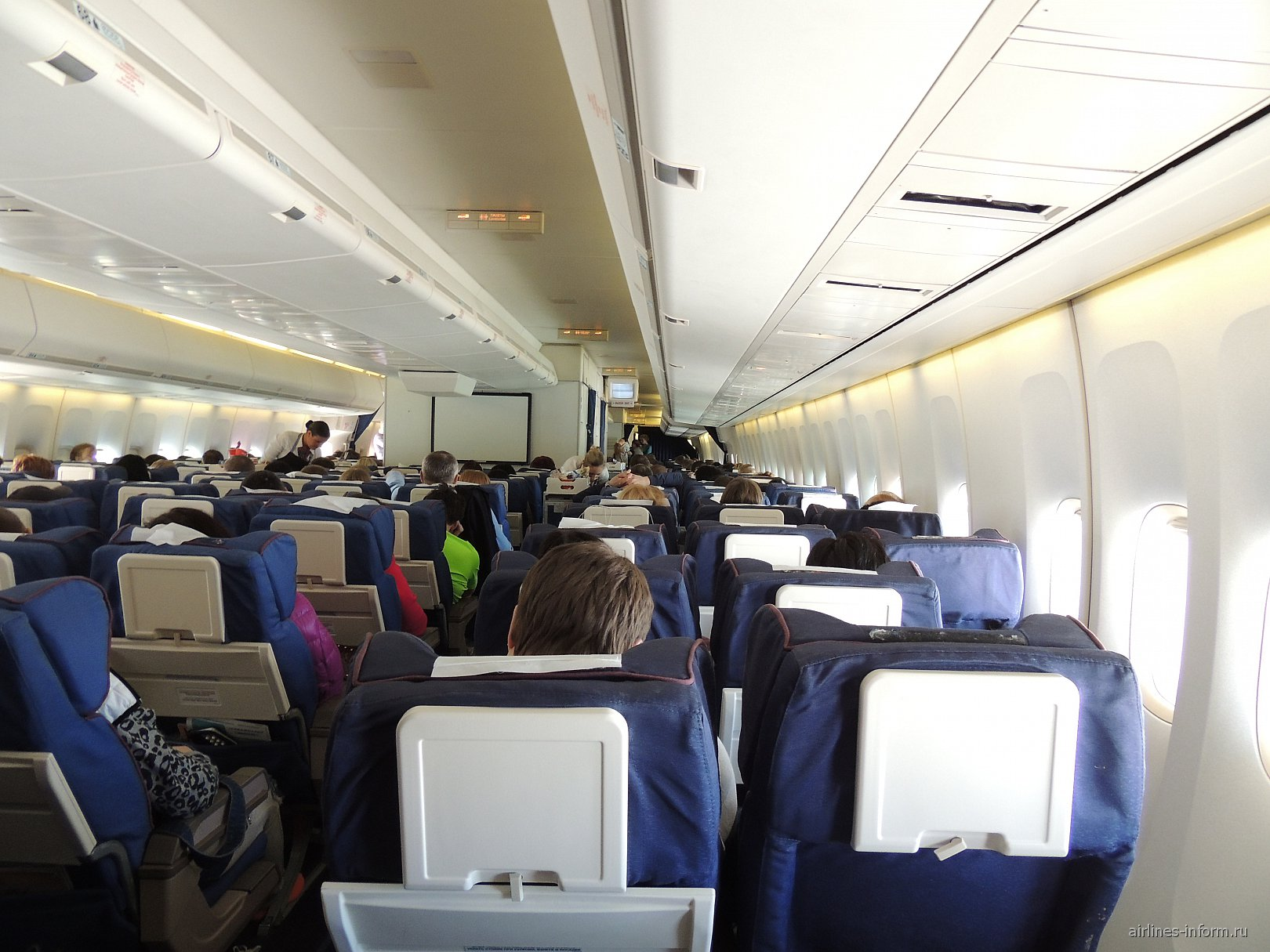 Салон самолета Боинг-747-400 авиакомпании Трансаэро
