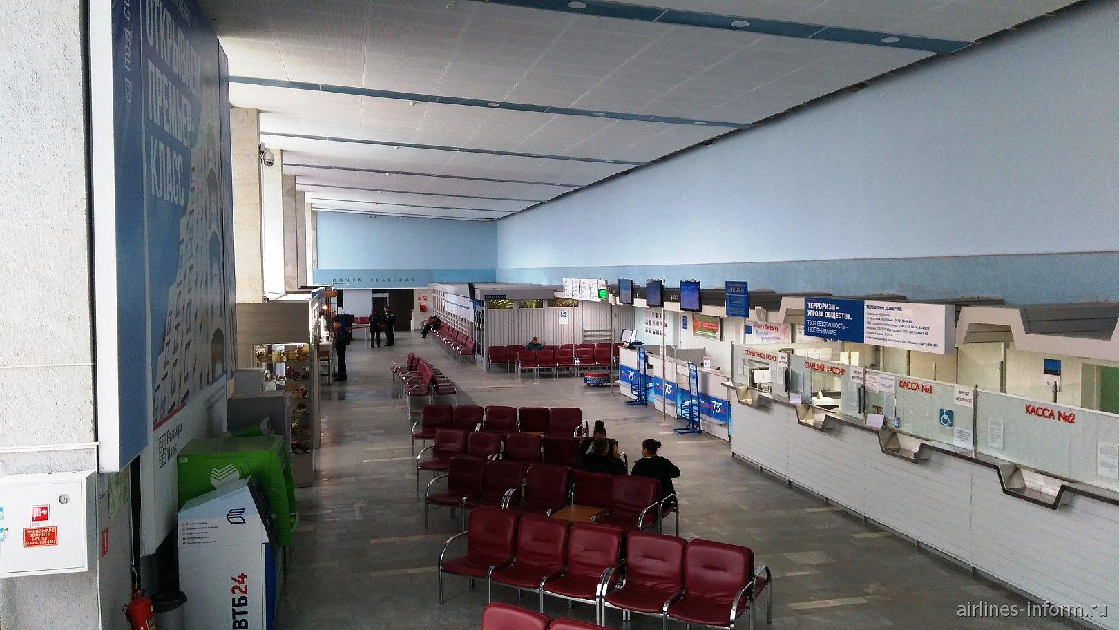 Внутри аэровокзала аэропорта Ижевск