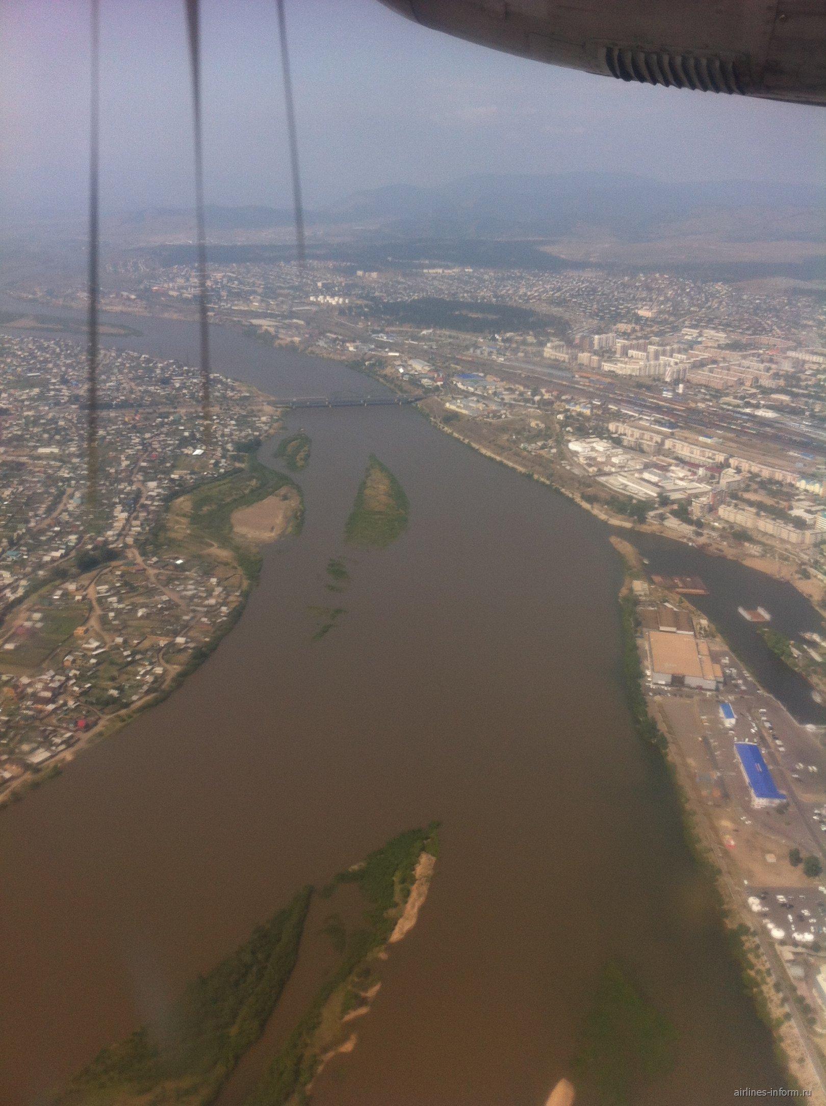 Вид из самолета на Улан-Удэ
