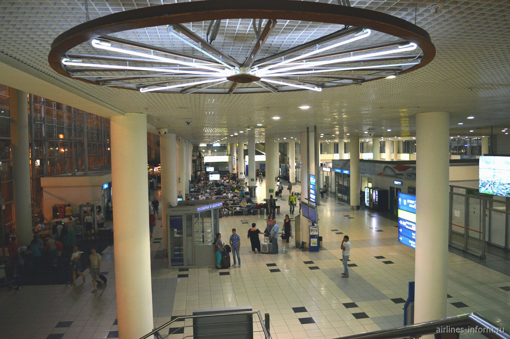 В терминале B аэропорта Москва Внуково