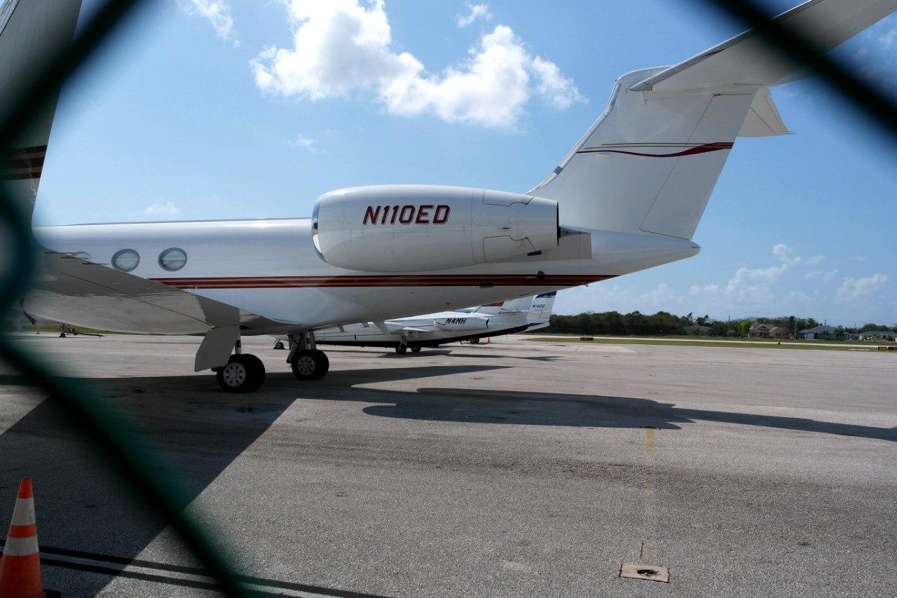 Бизнес-джеты в аэропорту Джорджтаун на Каймановых островах