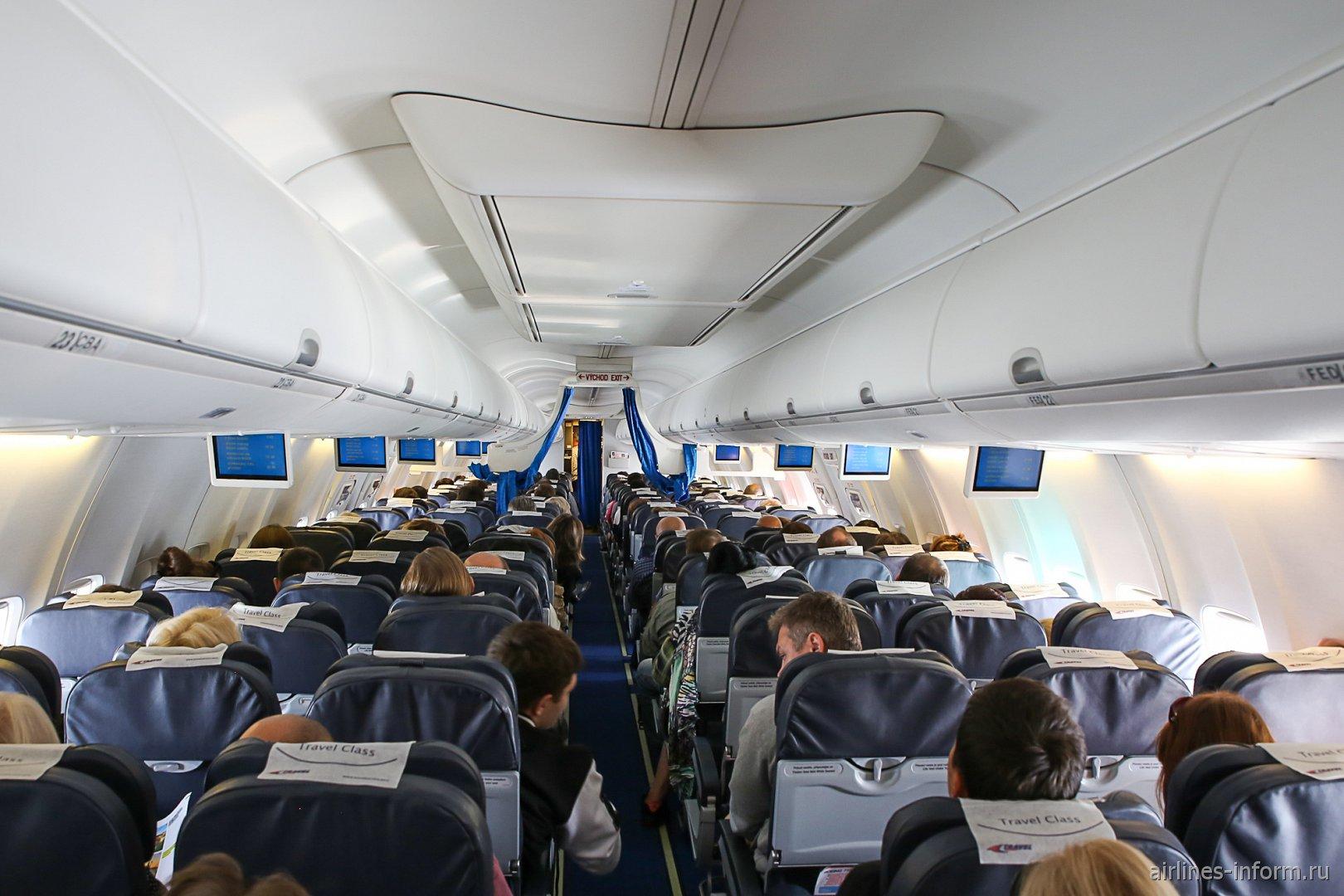 Пассажирский салон самолета Боинг-737-800 авиакомпании Smartwings