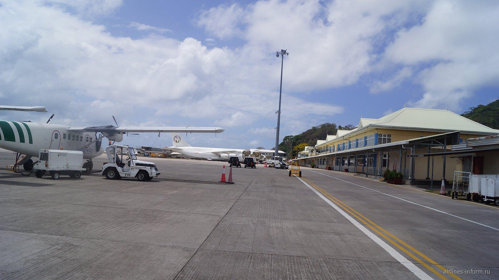 Перрон аэропорта Маэ на Сейшелах