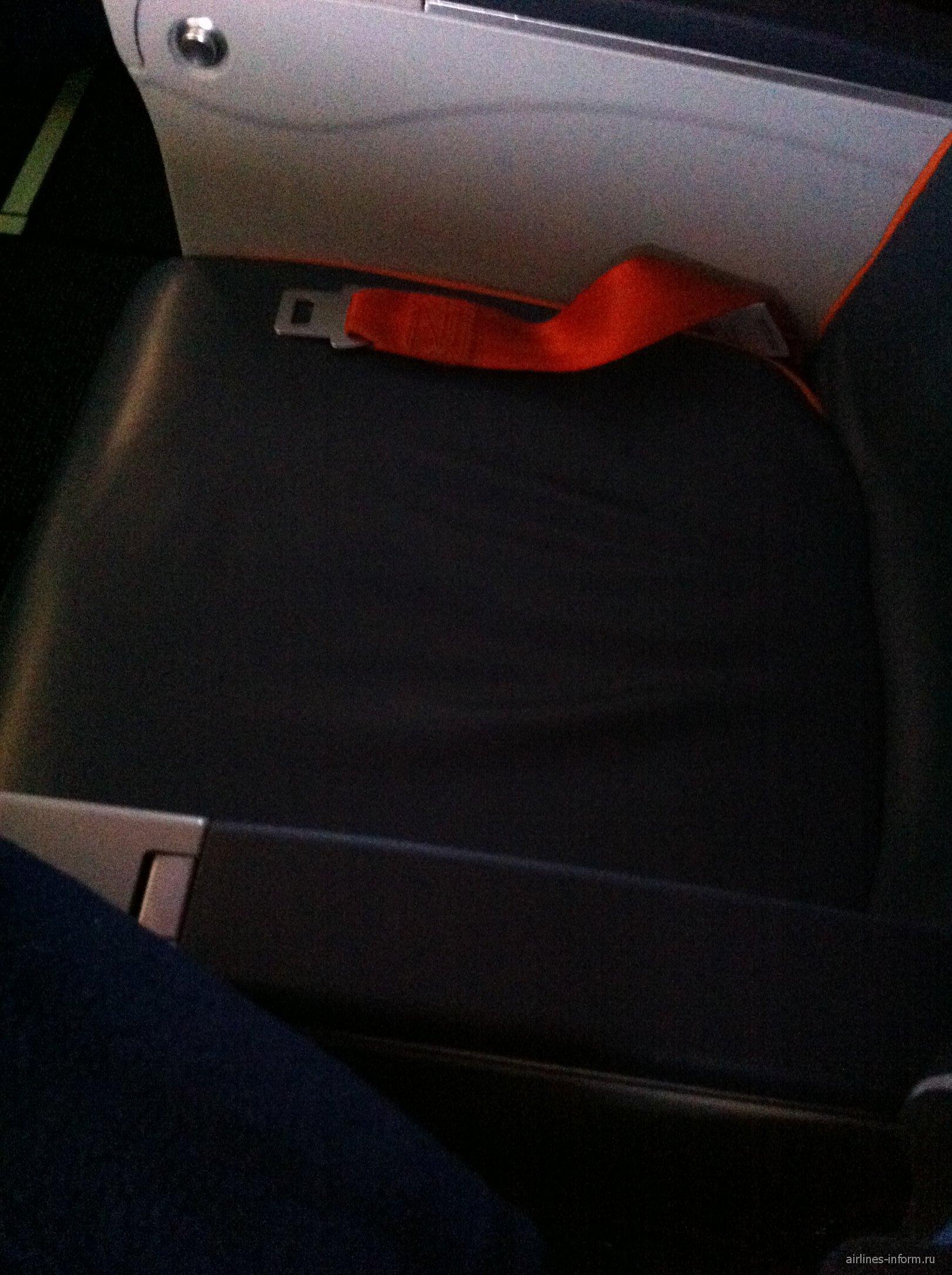 Кресло B737-800