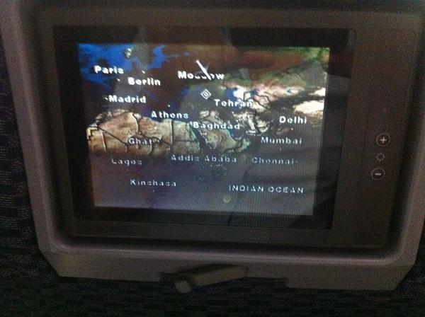 Экран показывал карту полета.