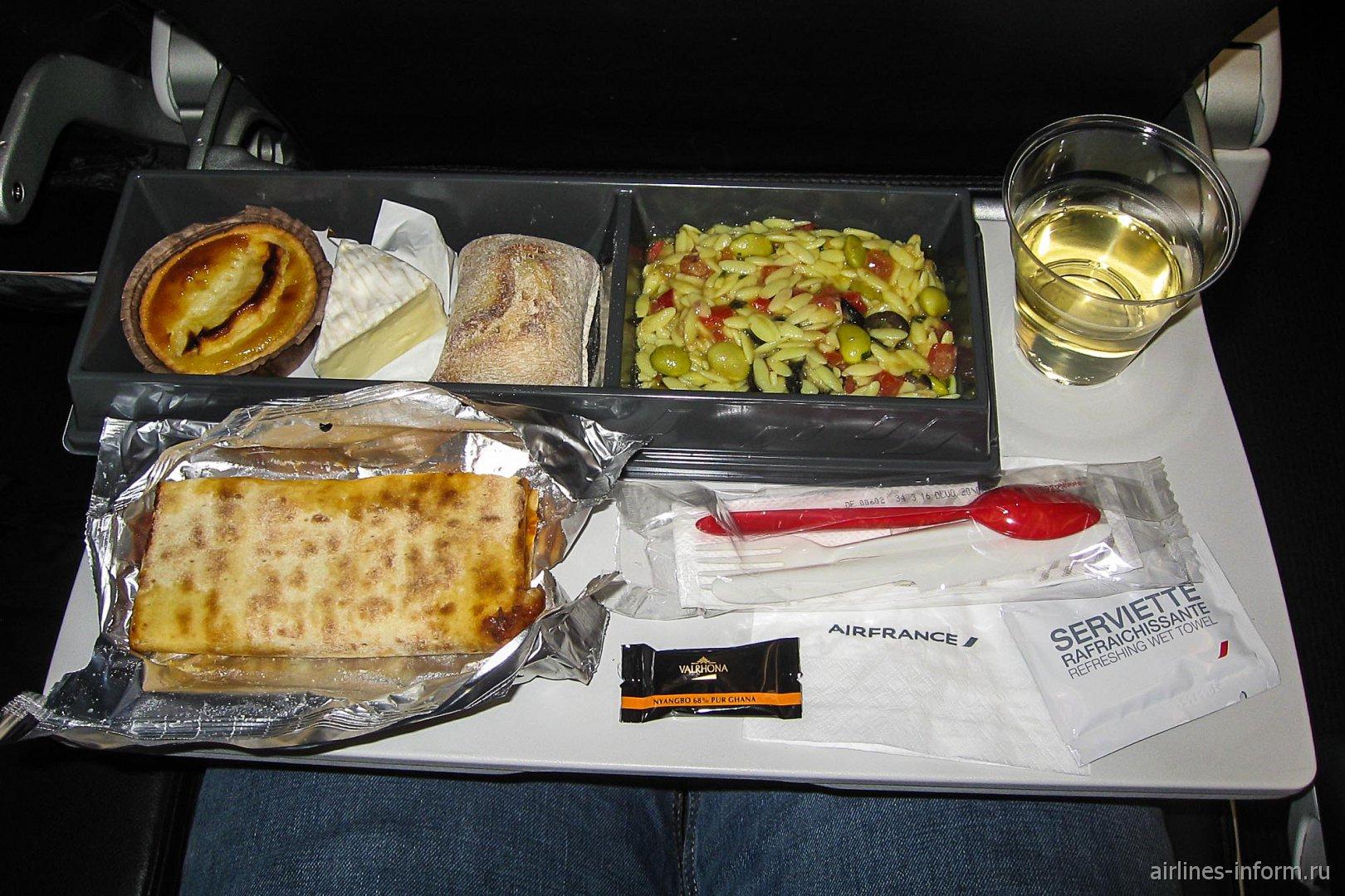 Бортовое питание на рейсе Париж-Москва авиакомпании Air France