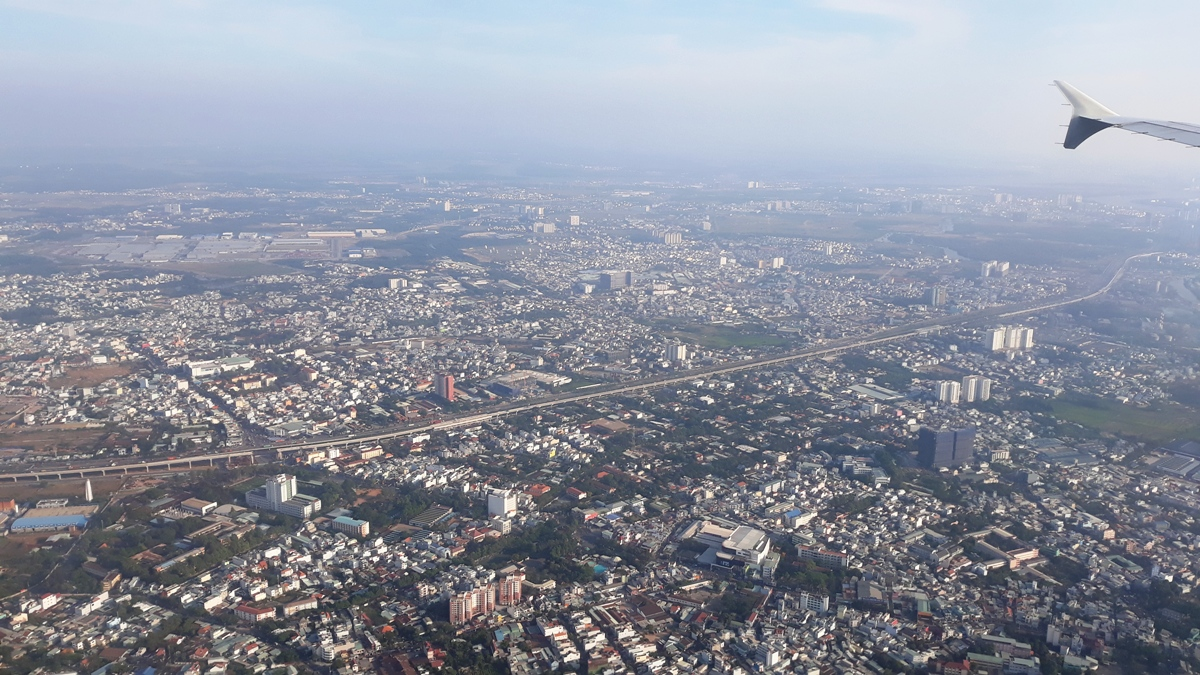 Пригороды Хошимина перед посадкой в аэропорту Таньшоннят