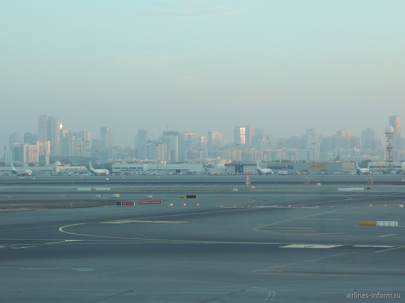 Летное поле аэропорта Дубай
