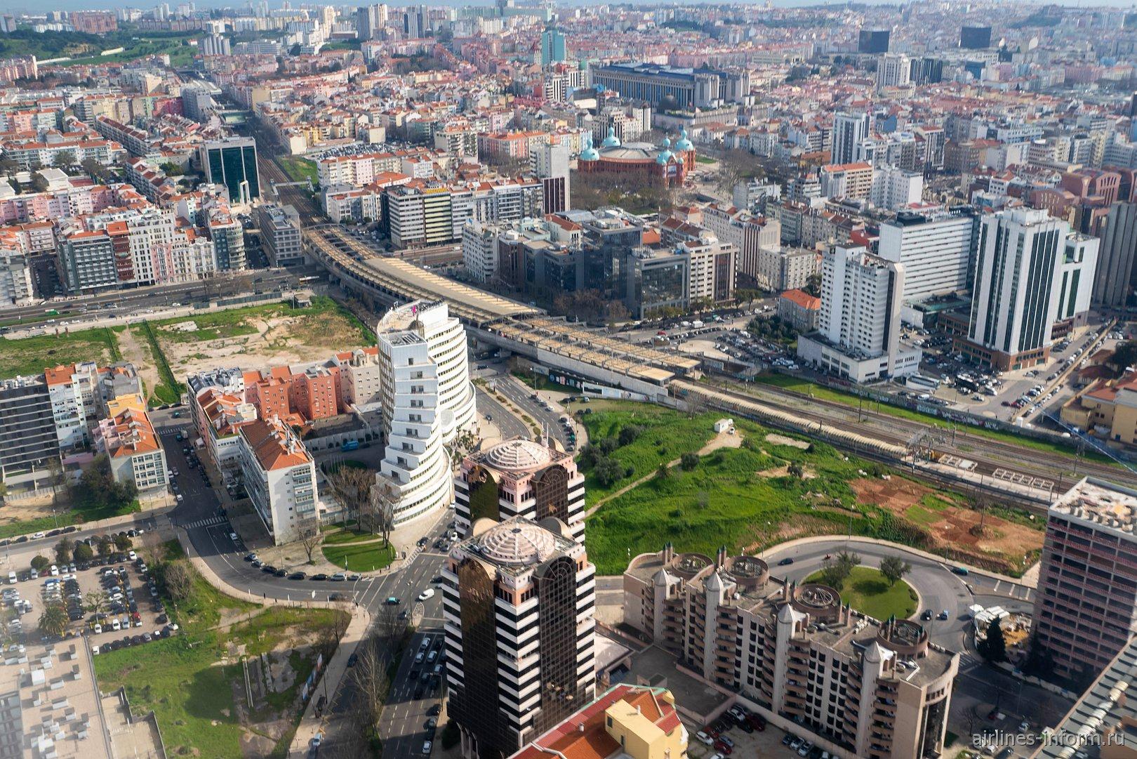 Современная застройка в пригородах Лиссабона