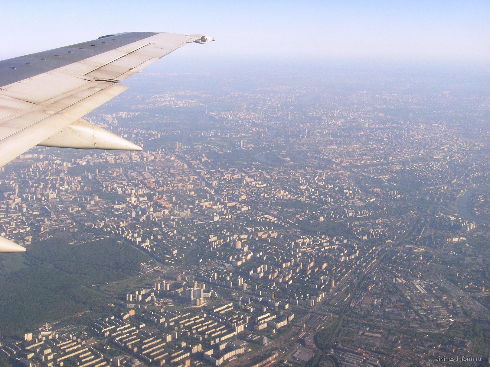 Вид на Москву из самолета