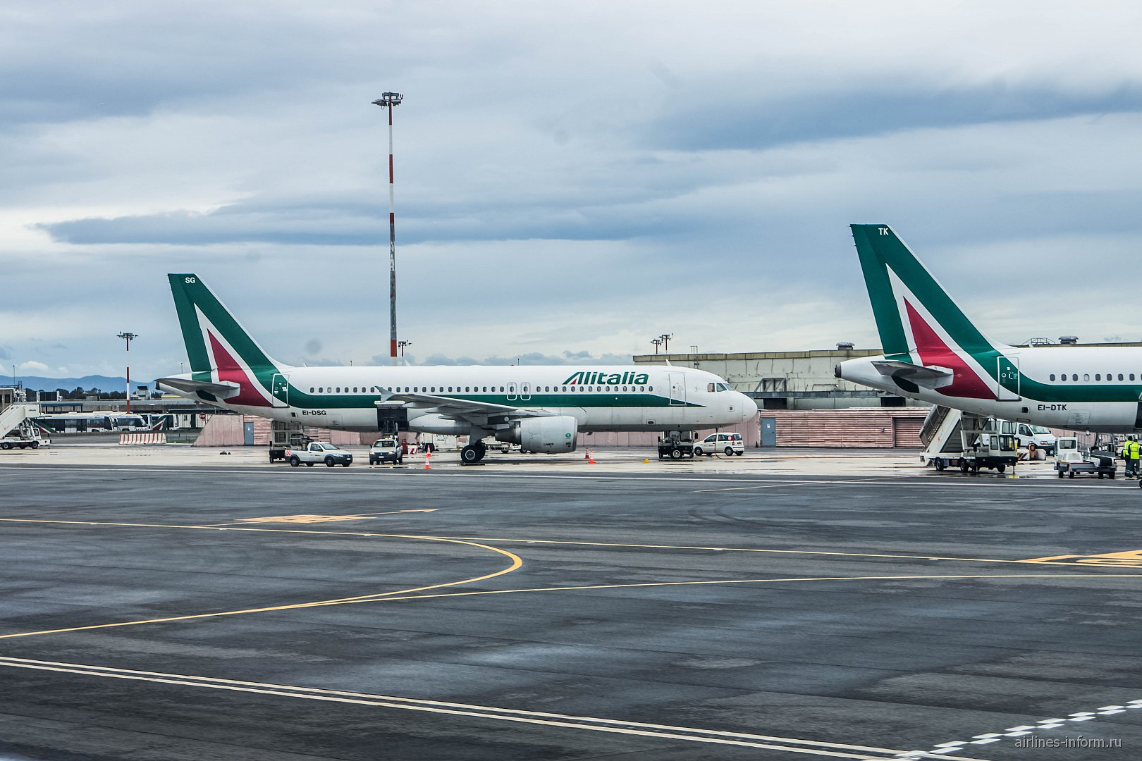 Airbus A320 авиакомпании Alitalia в аэропорту Рим Фьюмичино