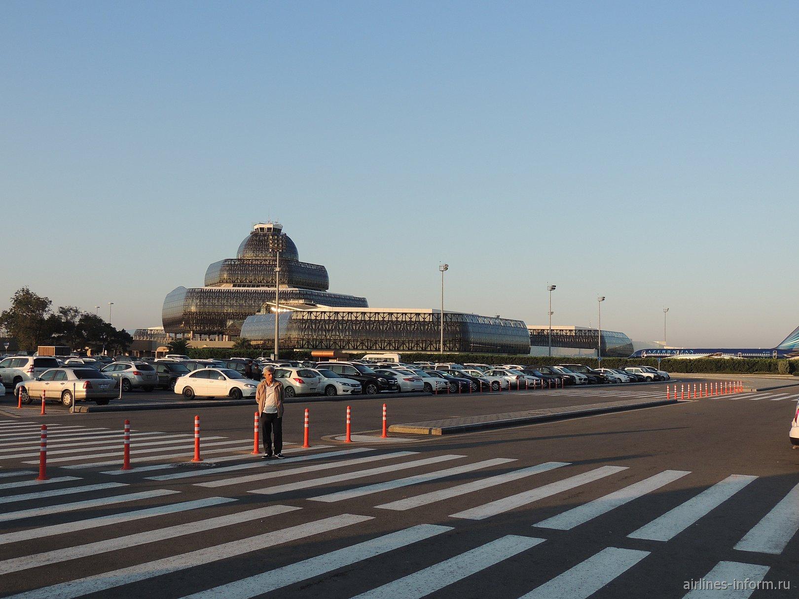 Терминал 2 аэропорта Баку имени Гейдара Алиева