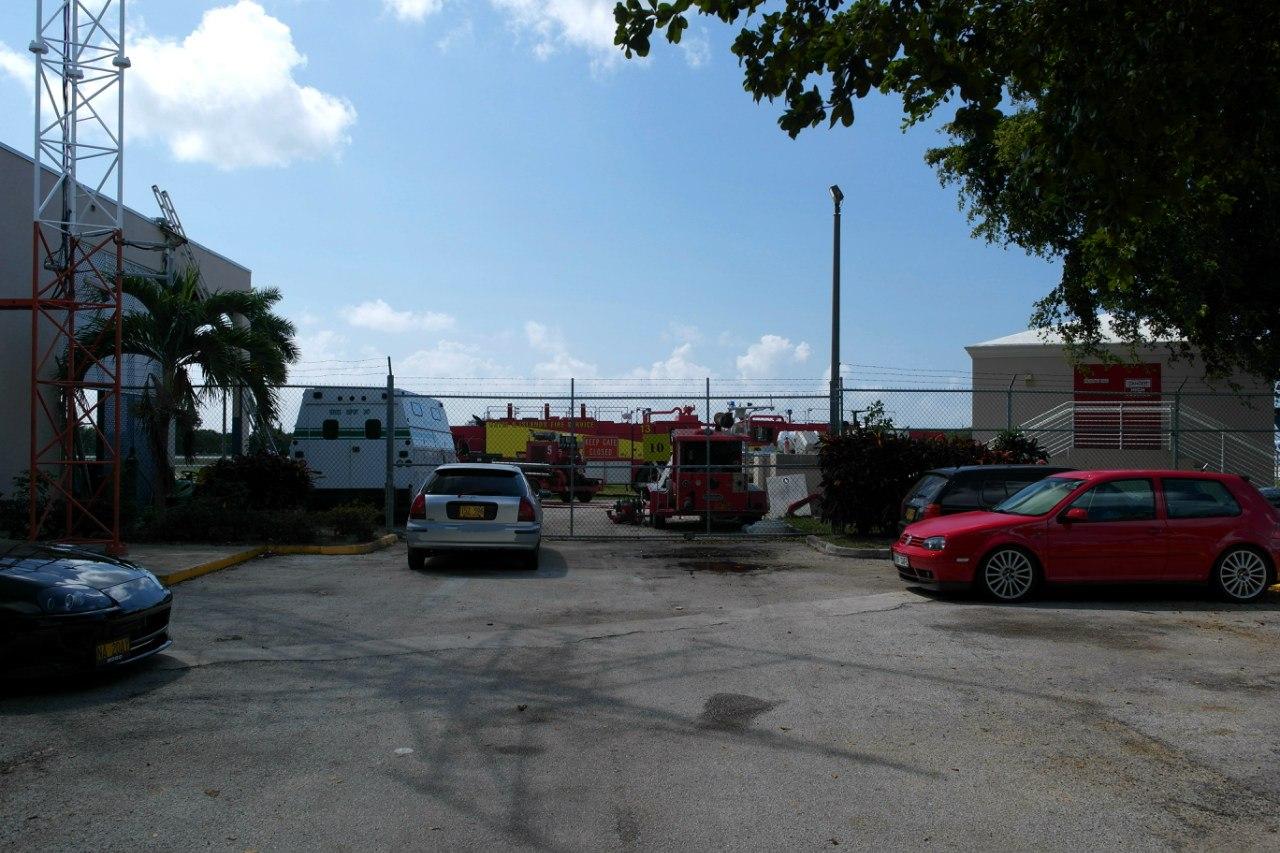 Пожарная часть в аэропорту Джорджтаун на Каймановых островах
