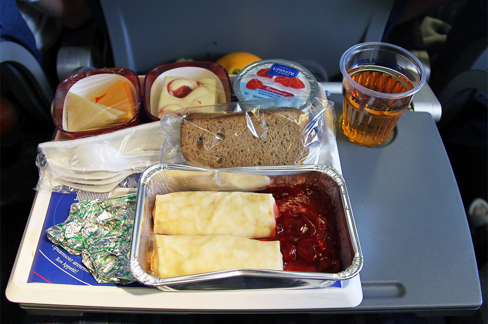 Meal on a Transaero flight from Los Angeles to Moscow