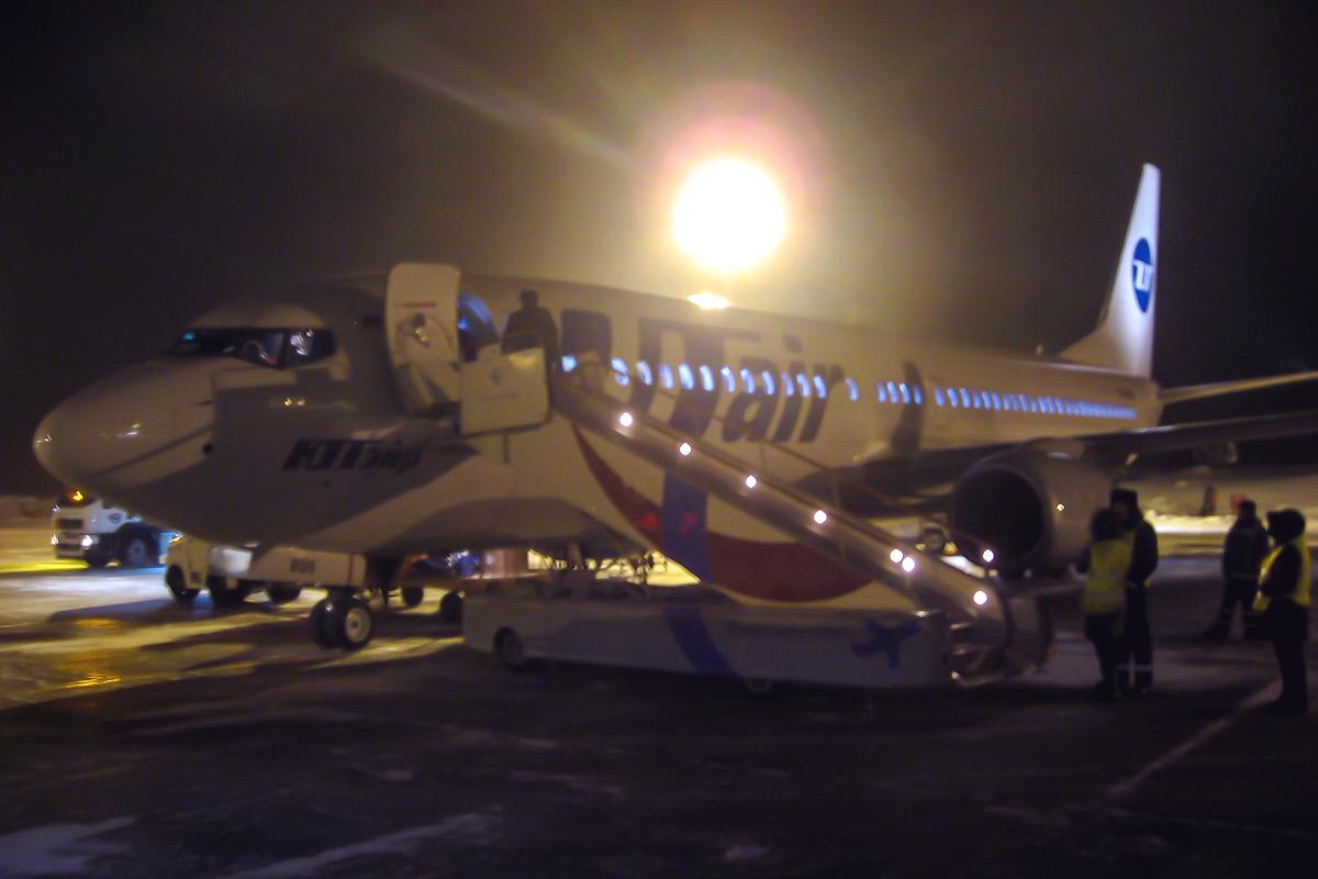 Боинг-737-800 авиакомпании ЮТэйр в аэропорту Емельяново