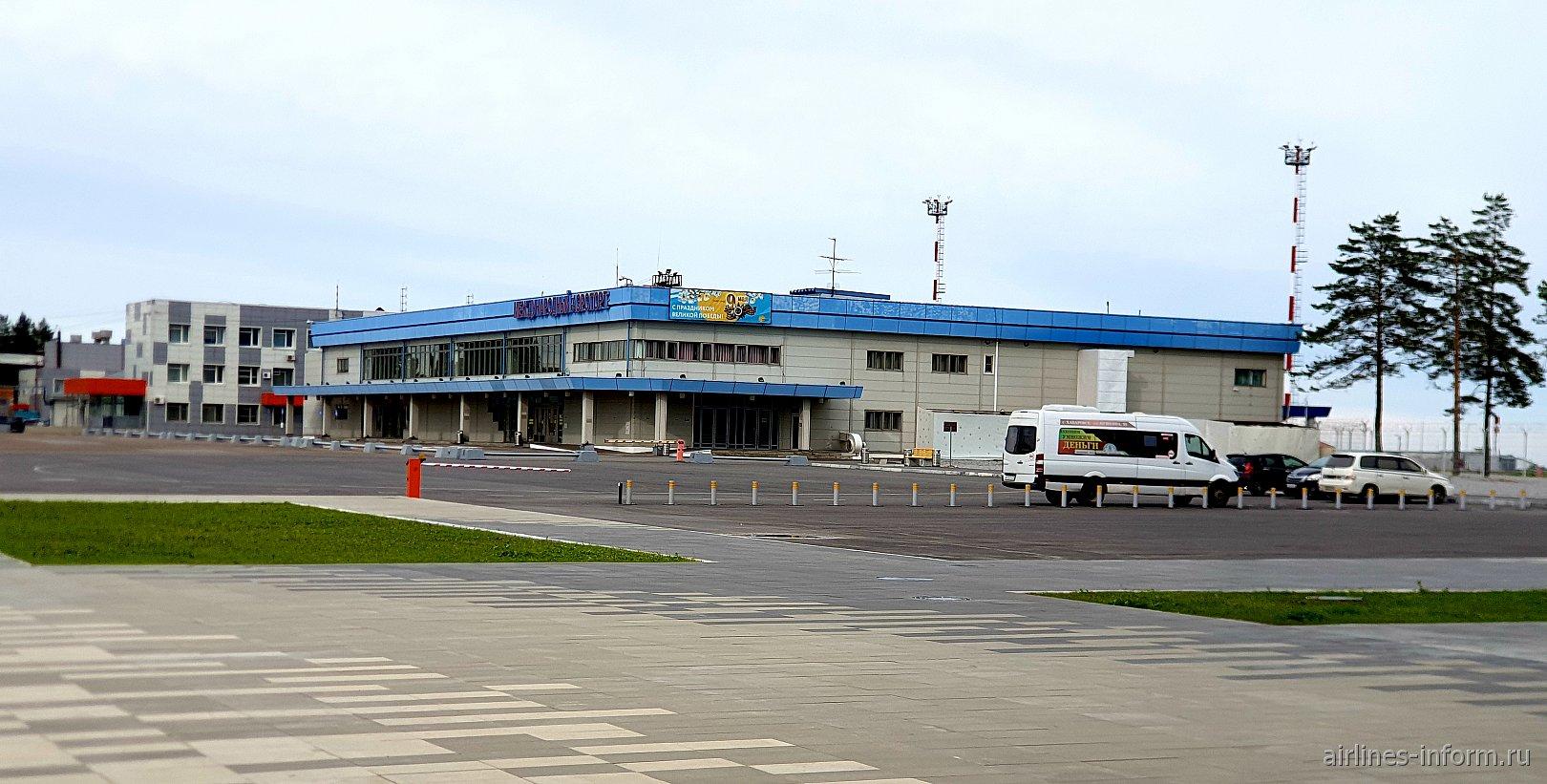 Терминал международных вылетов аэропорта Хабаровск Новый