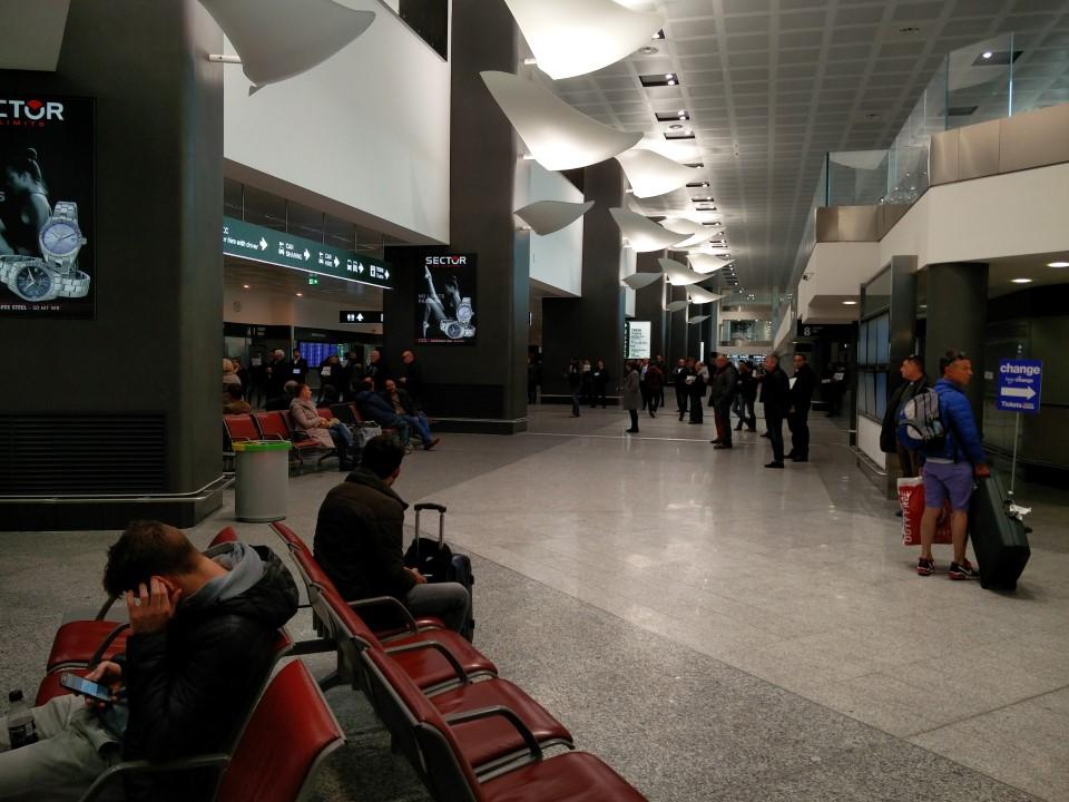 Зал прилета в аэропорту Милан Мальпенса