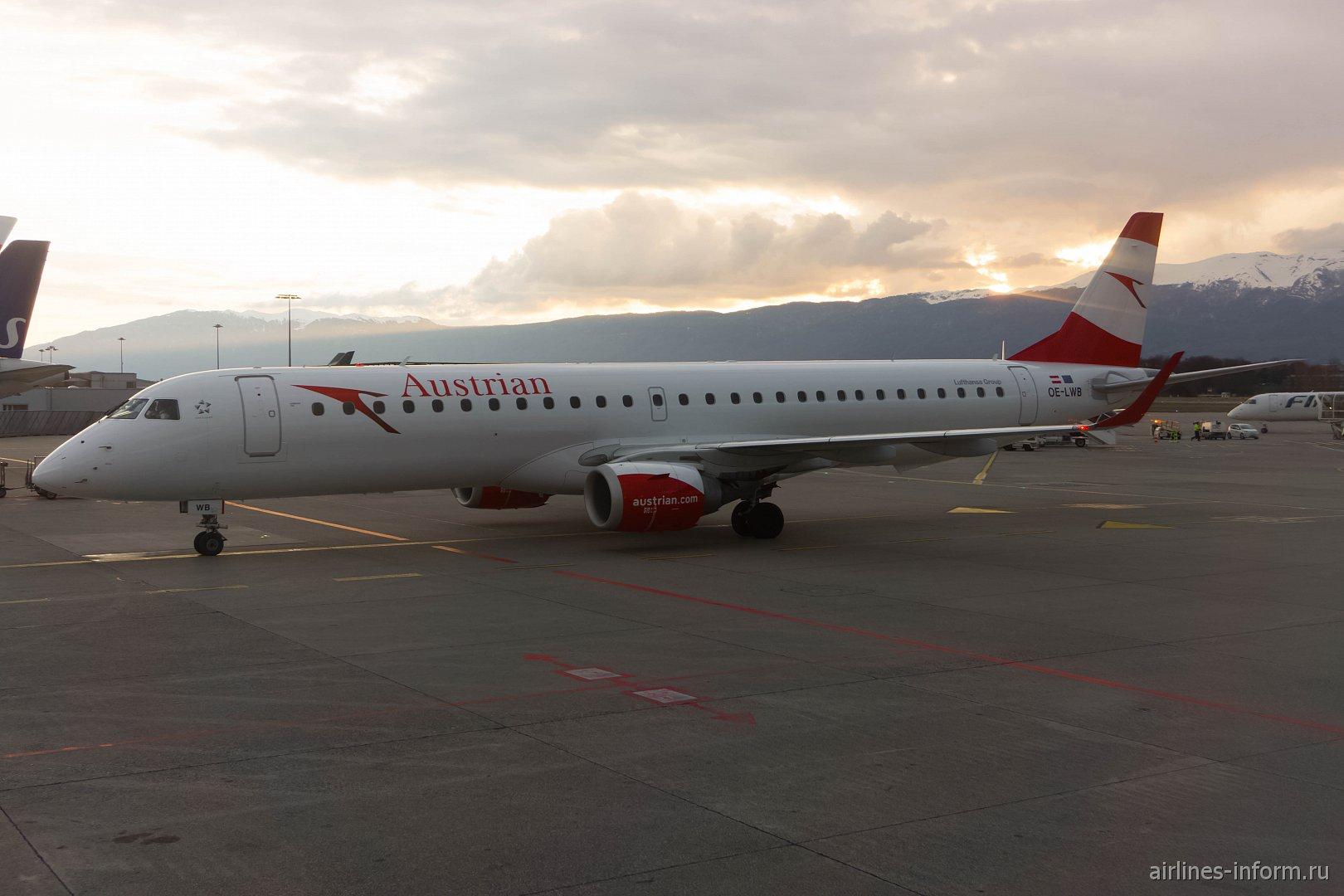 Самолет Embraer 195 авиакомпании Austrian в аэропорту Женевы