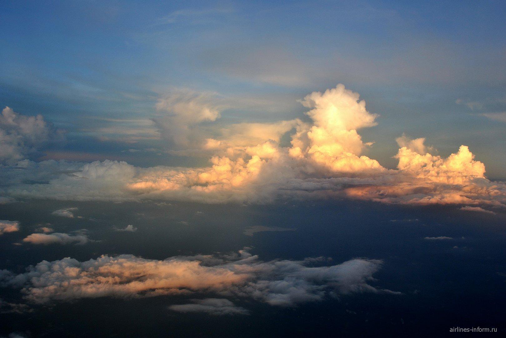 Облака на закате в Таиланде