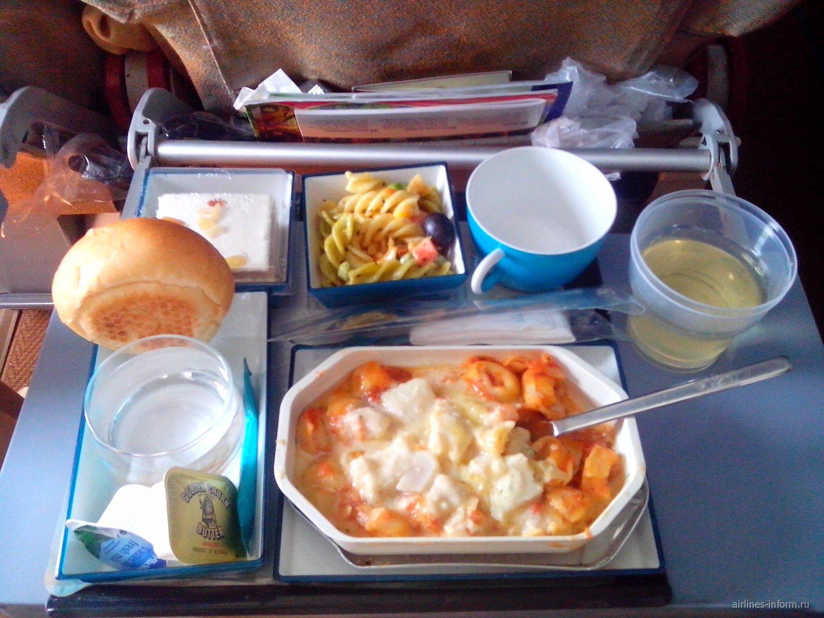 Ланкийская еда на рейсе Коломбо-Москва авиакомпании SriLankan Airlines