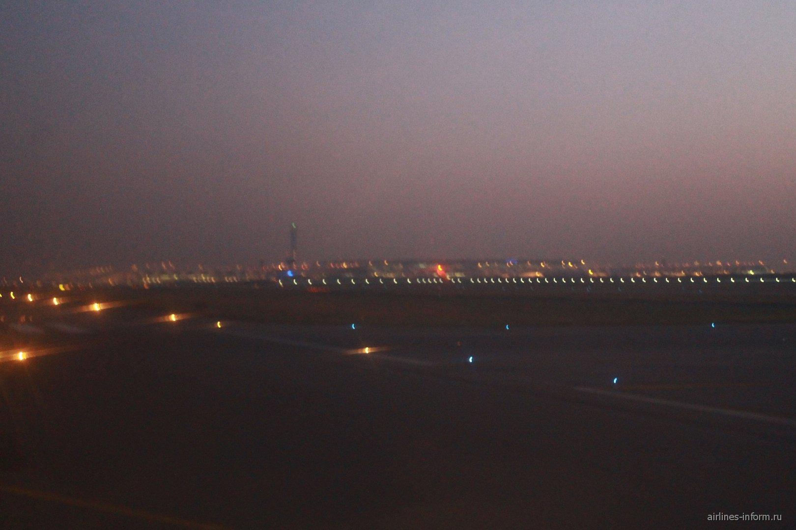 Bangkog international airport overview