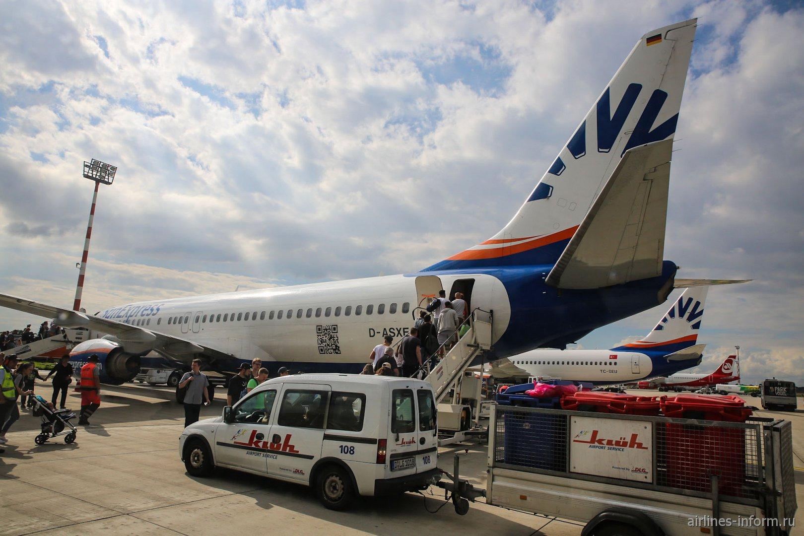 Боинг-737-800 авиакомпании SunExpress Germany в аэропорту Дюссельдорфа