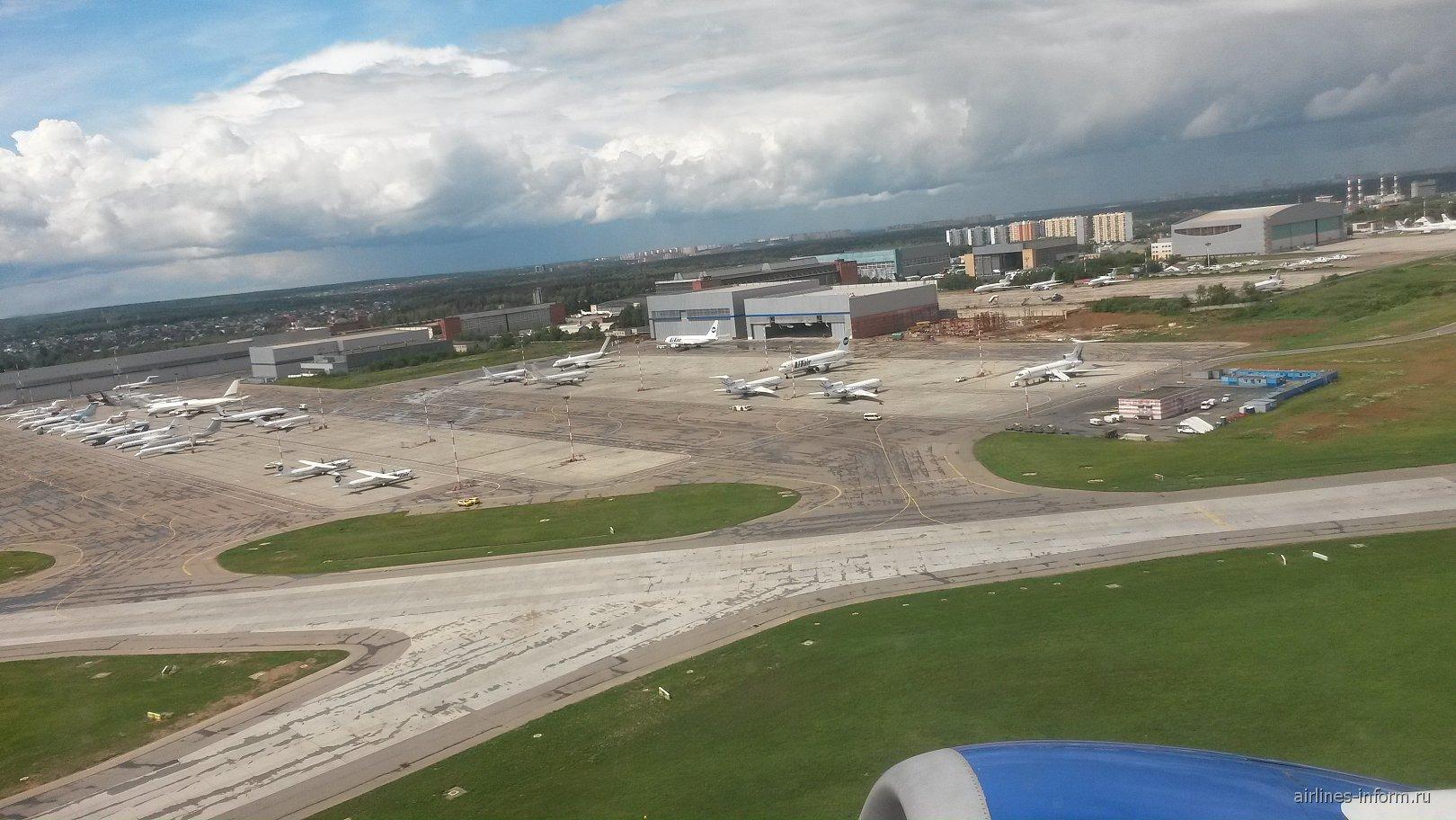 Взлет из аэропорта Москва Внуково