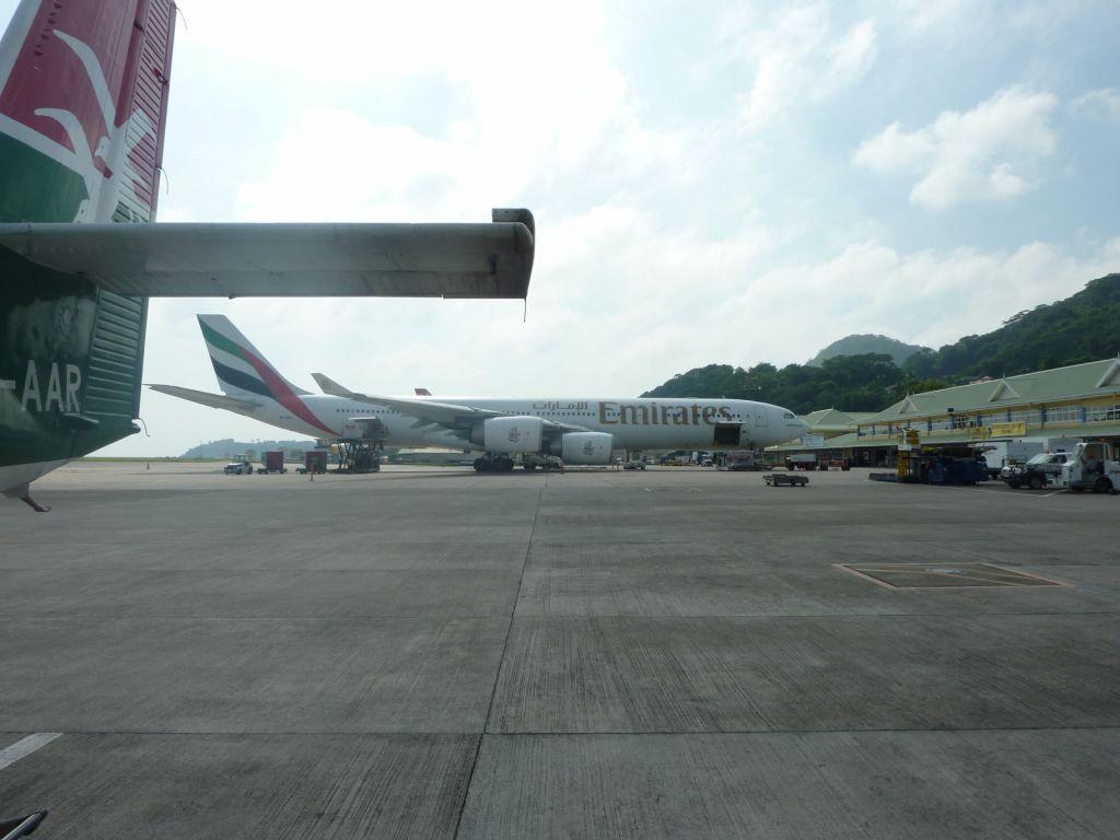 Эрбас А-340 авиакомпании Эмирейтс в аэропорту Маэ