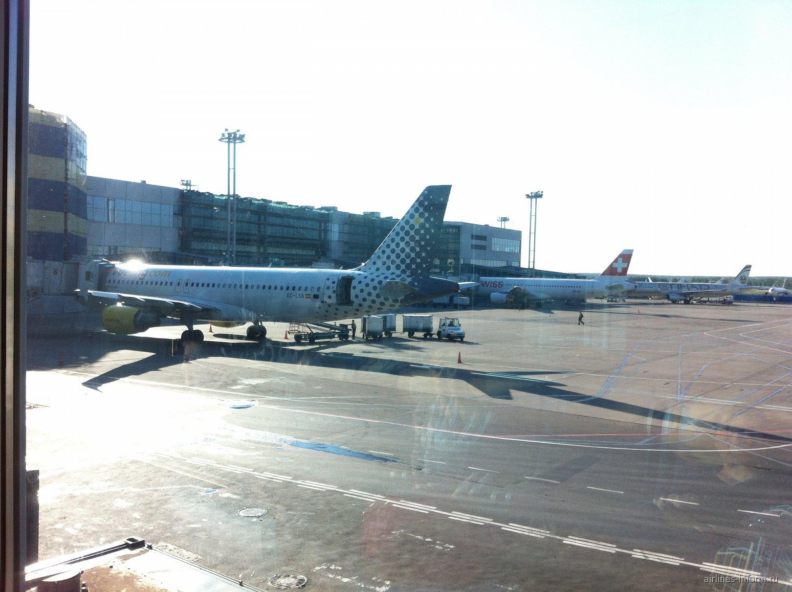 Вид из центра терминала аэропорта