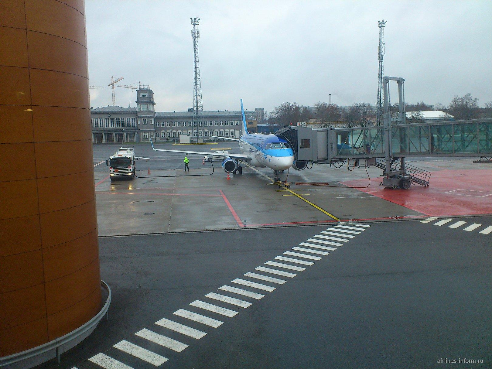 Embraer 170 авиакомпании Estonian Air в аэропорту Таллинн