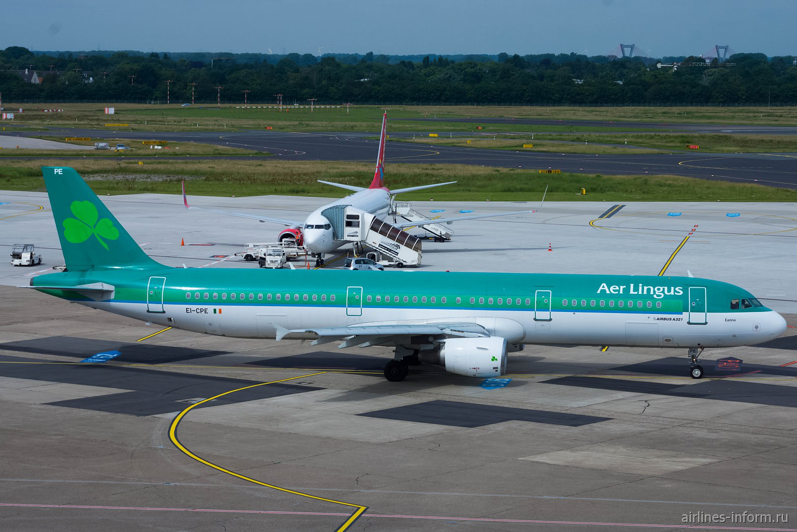 Airbus A321 EI-CPE авиакомпании Aer Lingus в аэропорту Дюссельдорфа