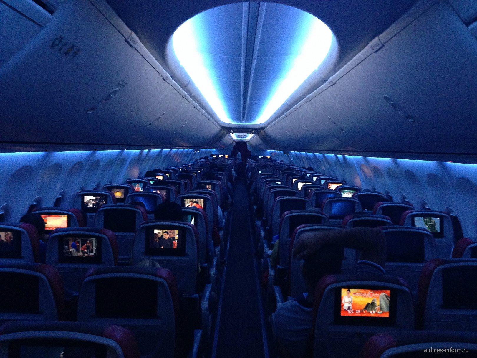 Салон Sky Interior в самолете Боинг-737-900 авиакомпании Malindo Ar