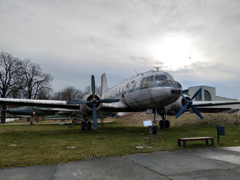 Самолет Ил-14 в музее польской авиации в Кракове