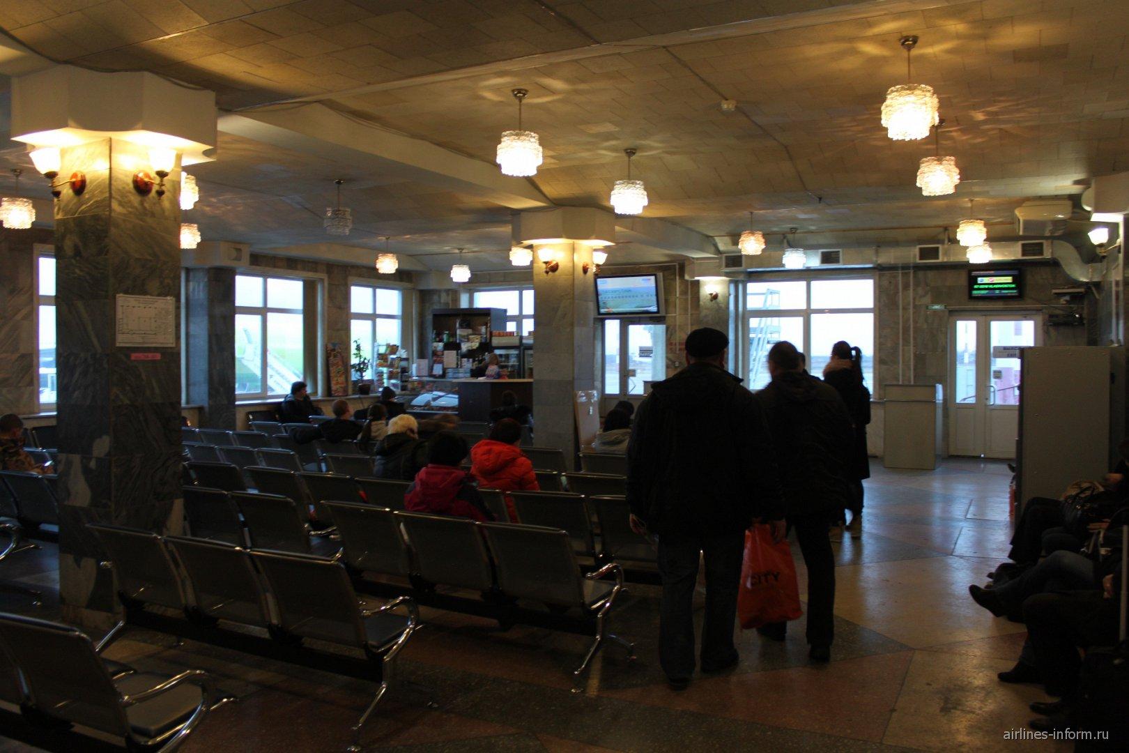 Накопитель в аэропорту Южно-Сахалинск Хомутово