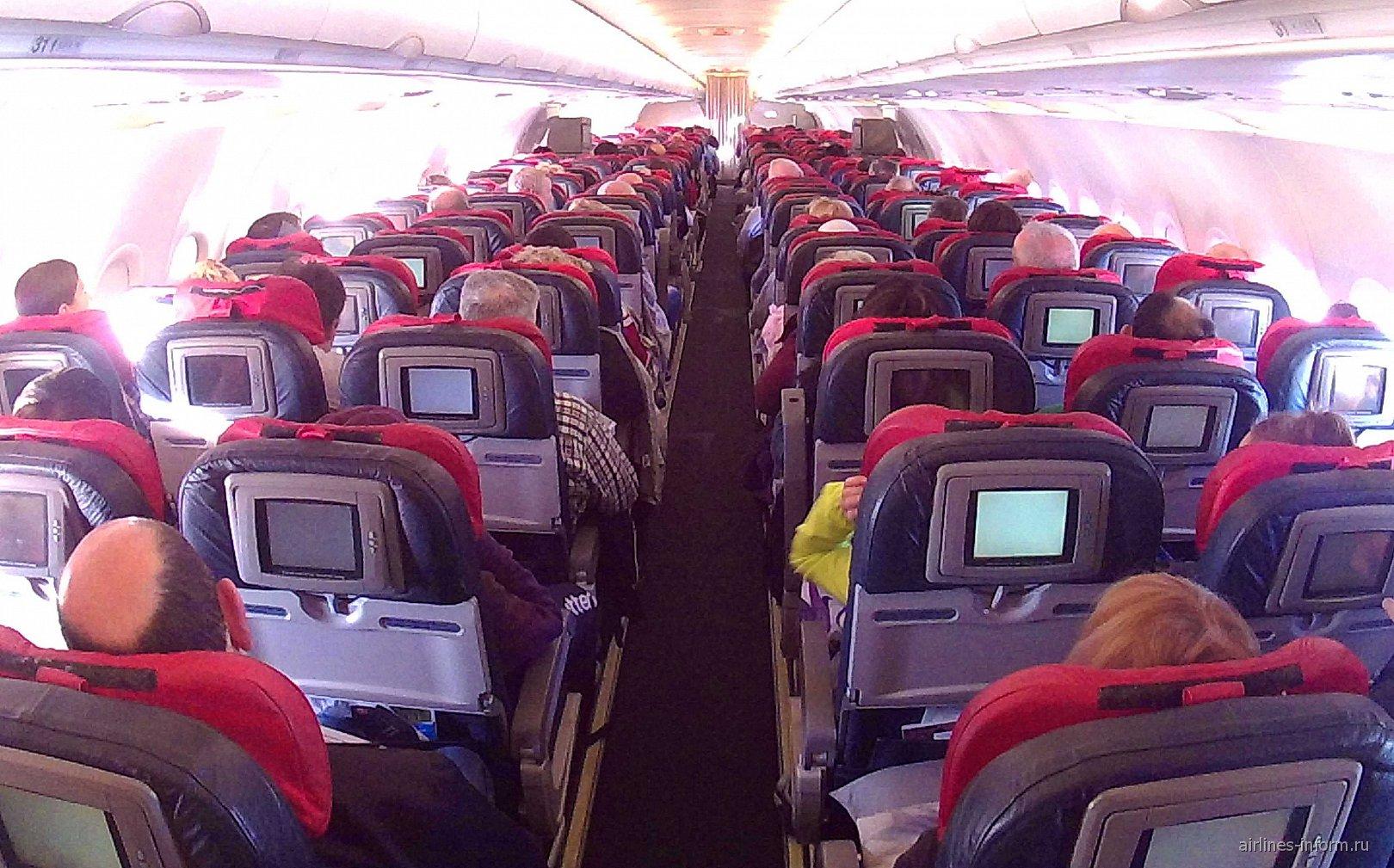 Салон самолета Airbus A321 Турецких авиалиний