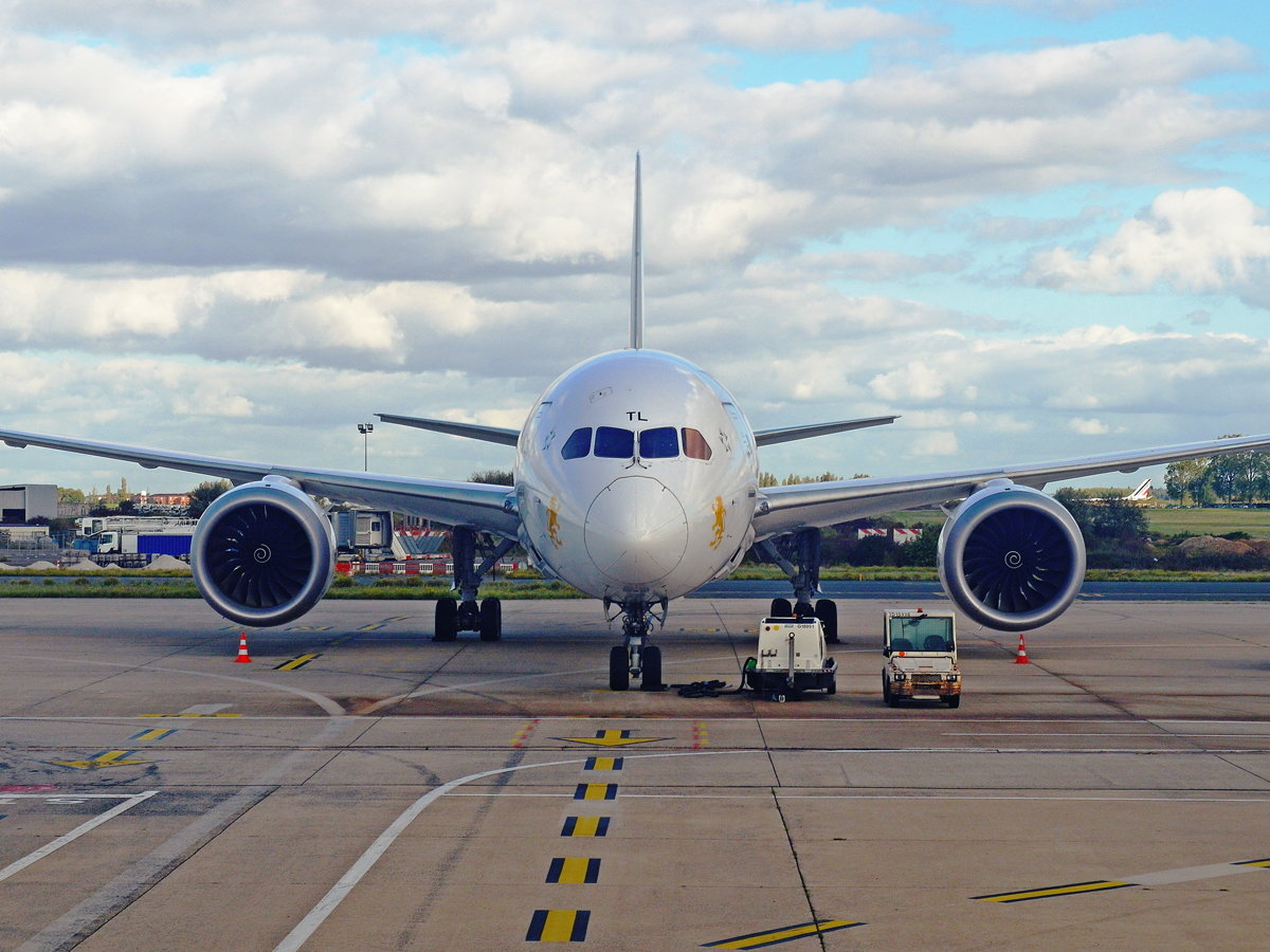 Боинг-787-8 Эфиопских авиалиний в аэропорту Париж Шарль-де-Голль