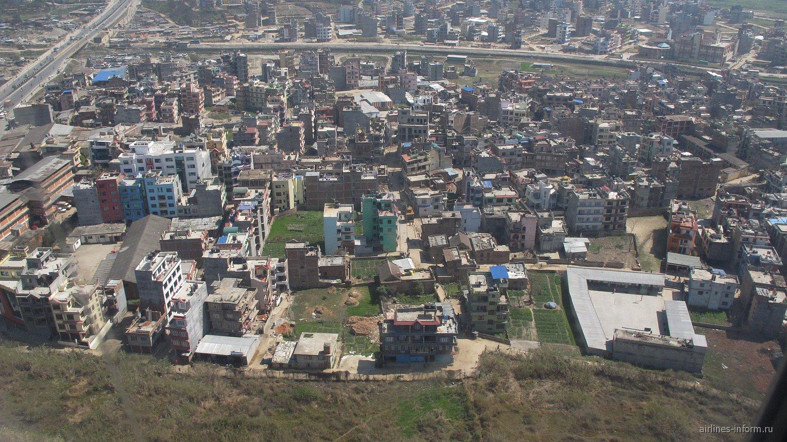 Жилые кварталы рядом с аэропортом Катманду