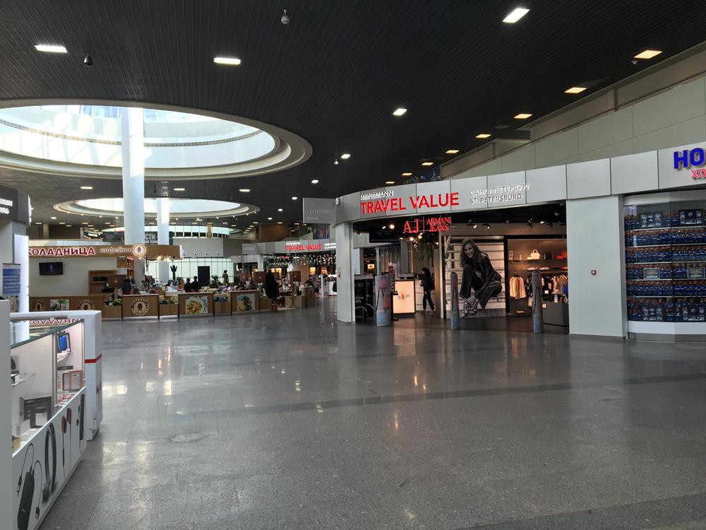 В зоне вылета аэропорта Санкт-Петербург Пулково
