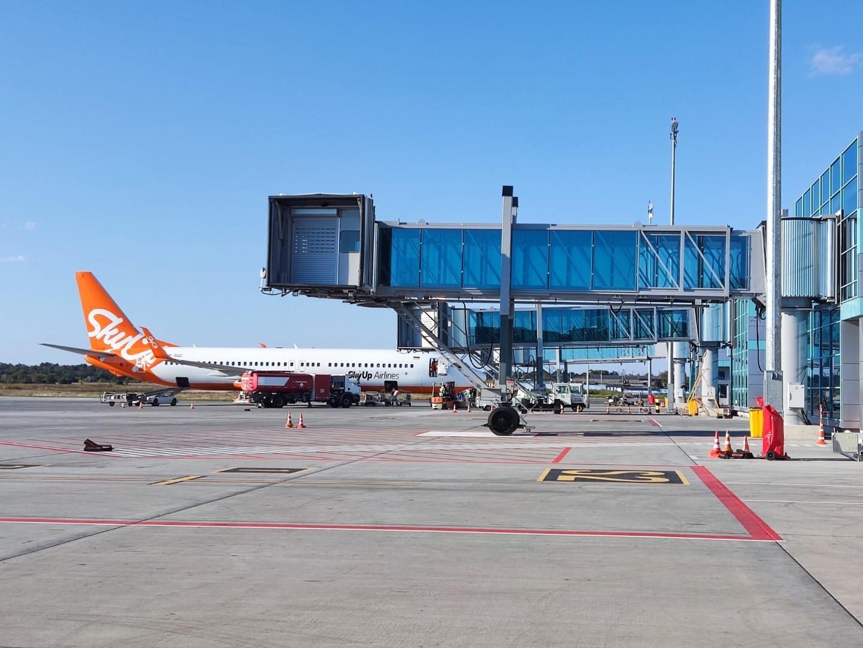 Перрон аэропорта Одесса