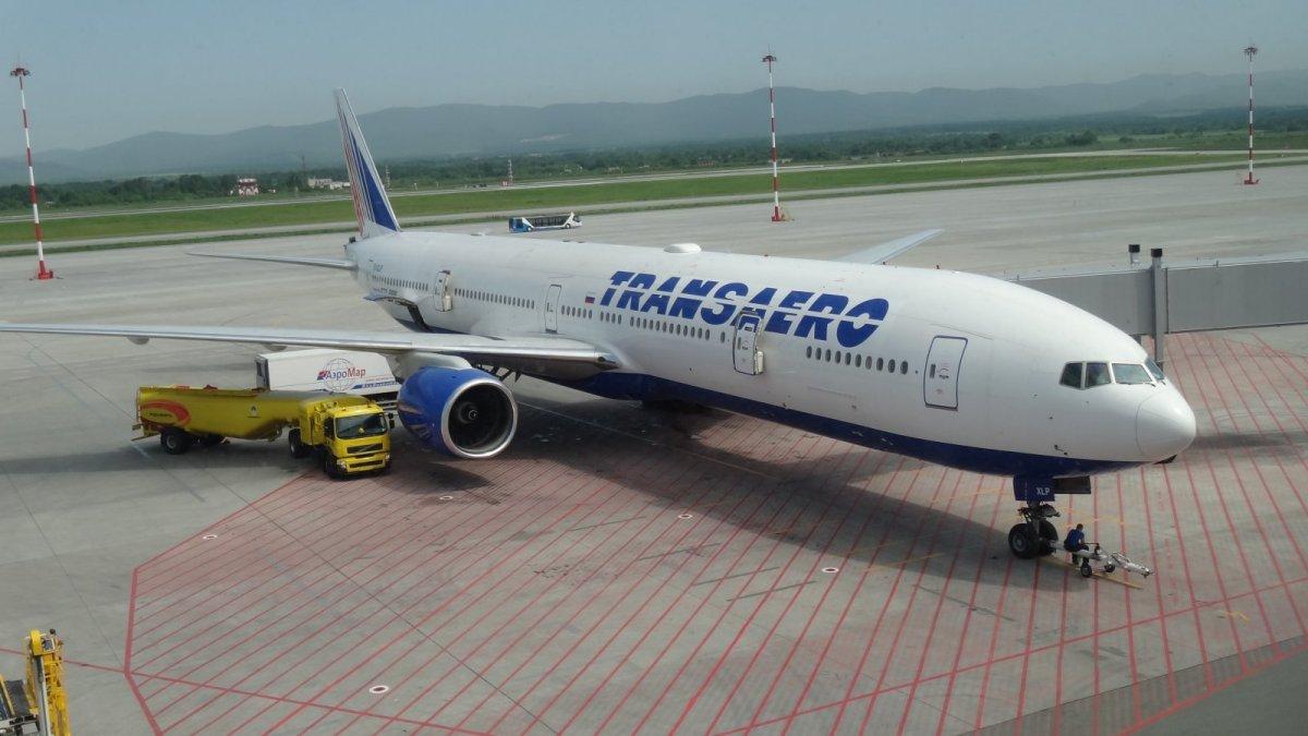 Boeing 777-300 EI-XLP