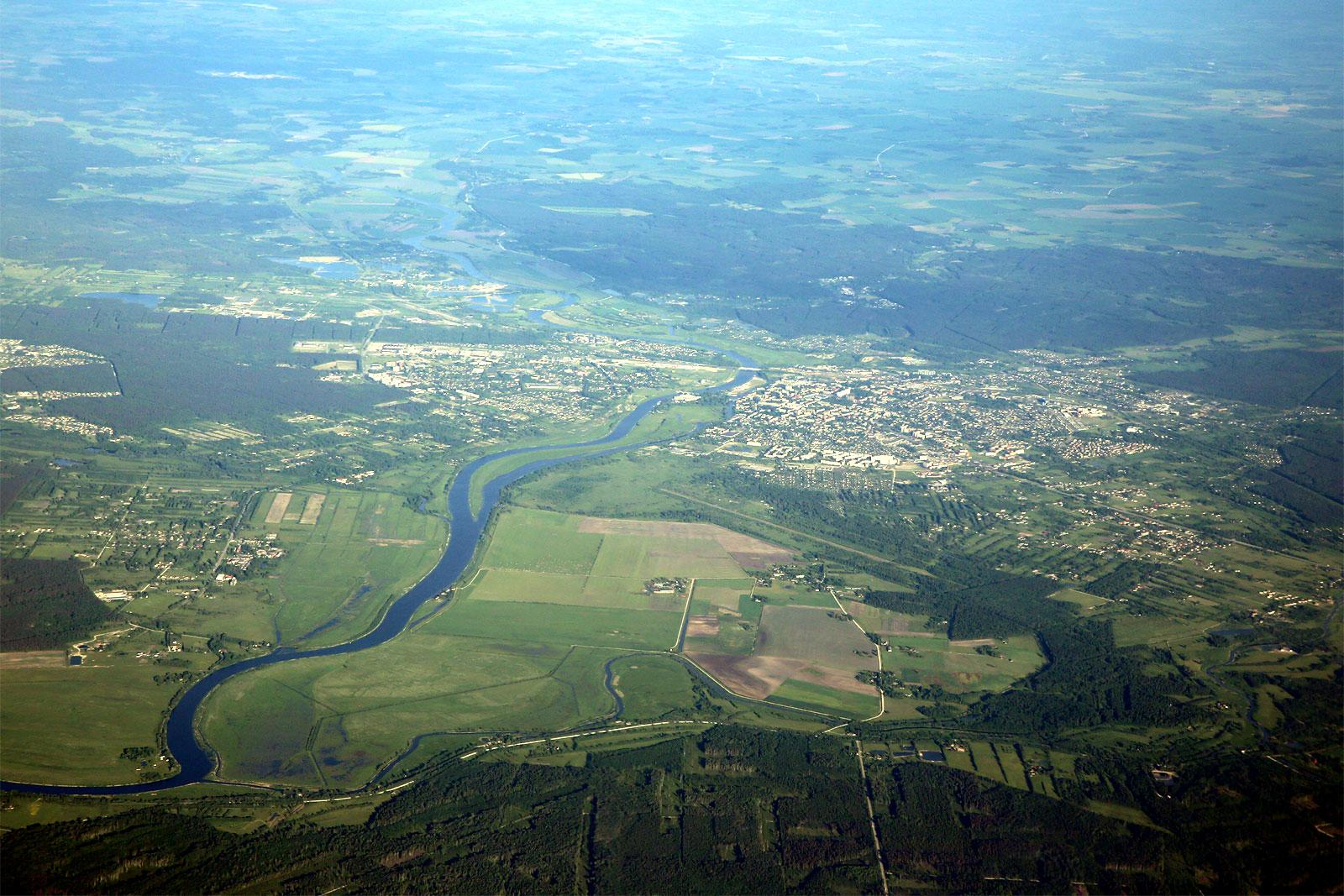 Город Елгава и река Лиелупе