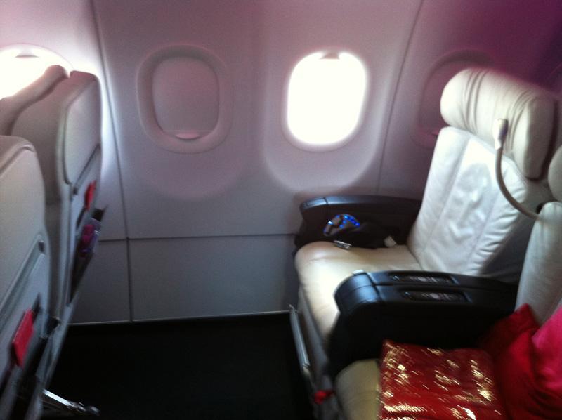 Салон самолета Airbus A320 авиакомпании Virgin America