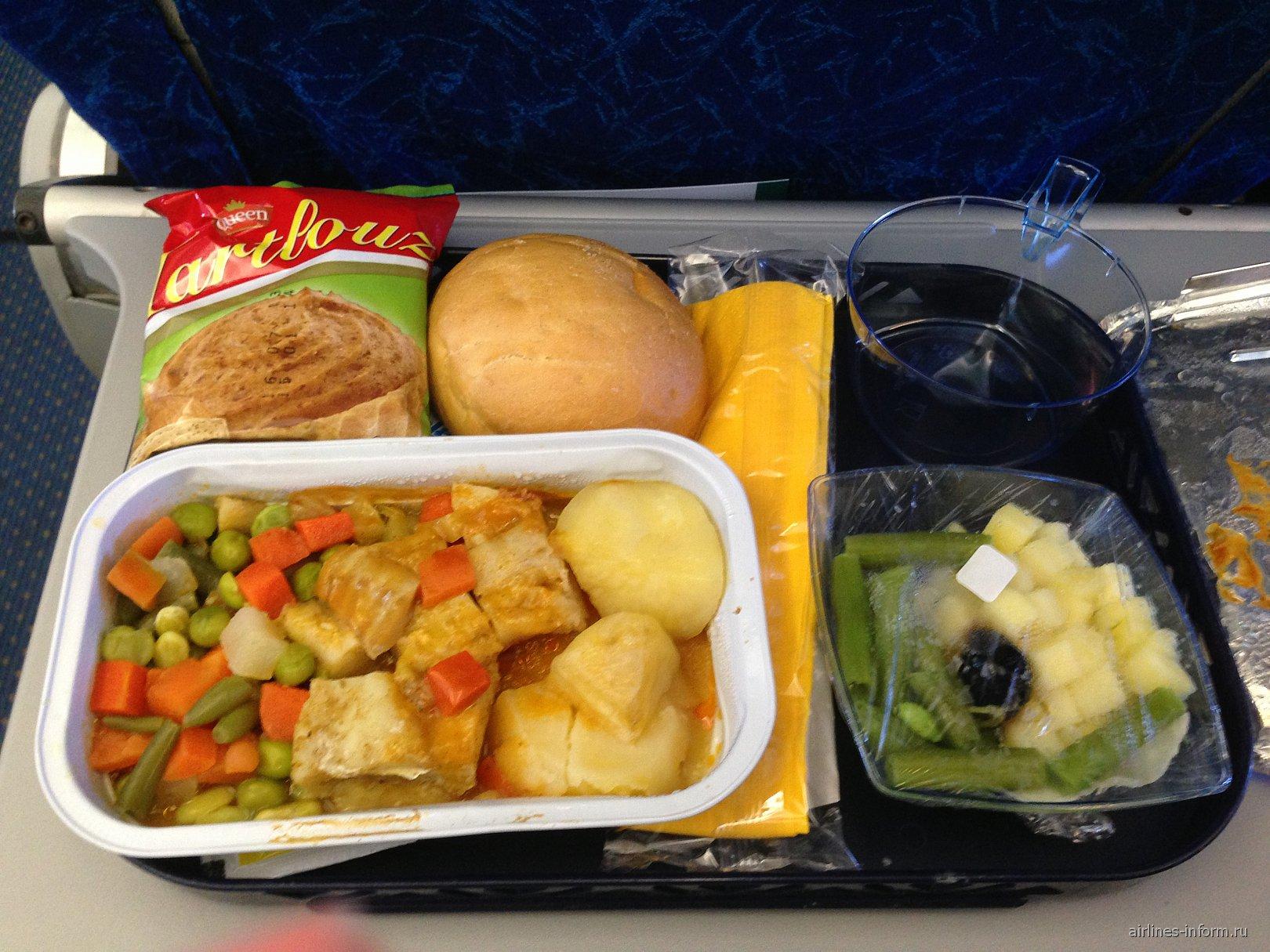 Питание на рейсе Санкт-Петербург-Монастир авиакомпании Nouvelair