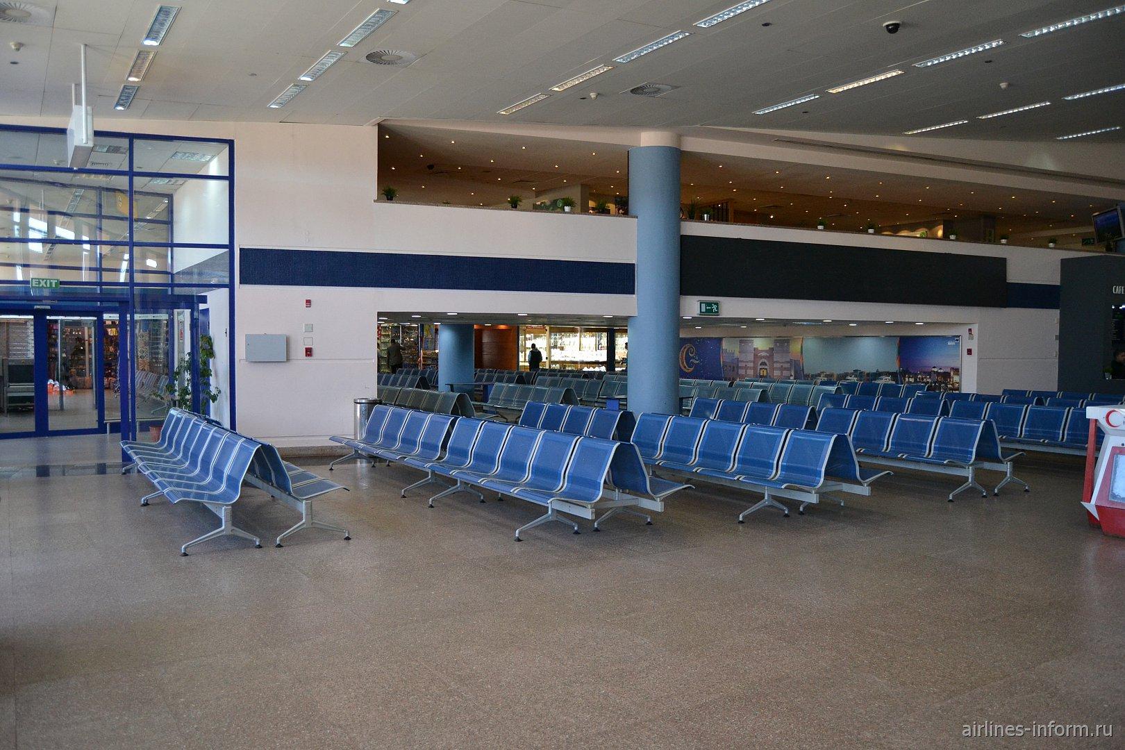 Зал ожидания в чистой зоне аэропорта Марса-Алам
