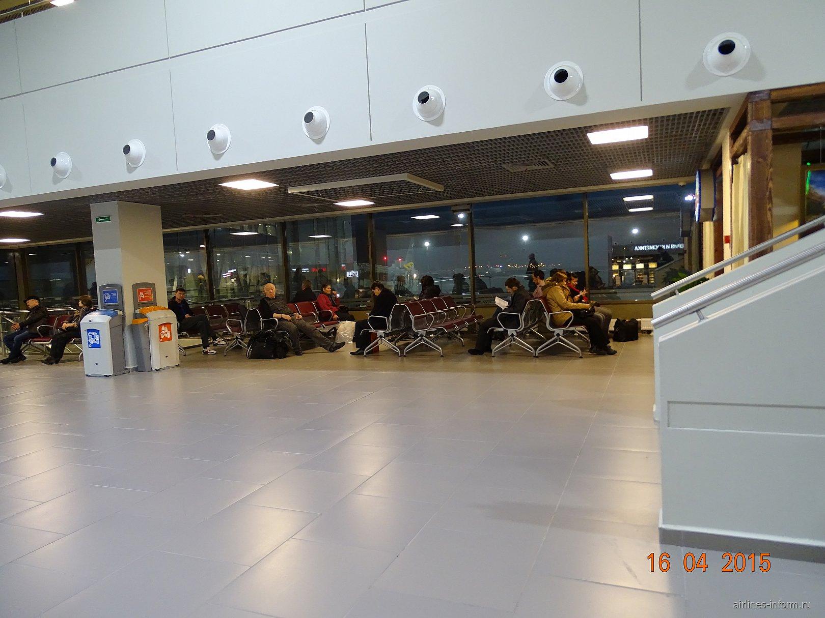 Зал ожидание в секторе D аэропорта Пулково