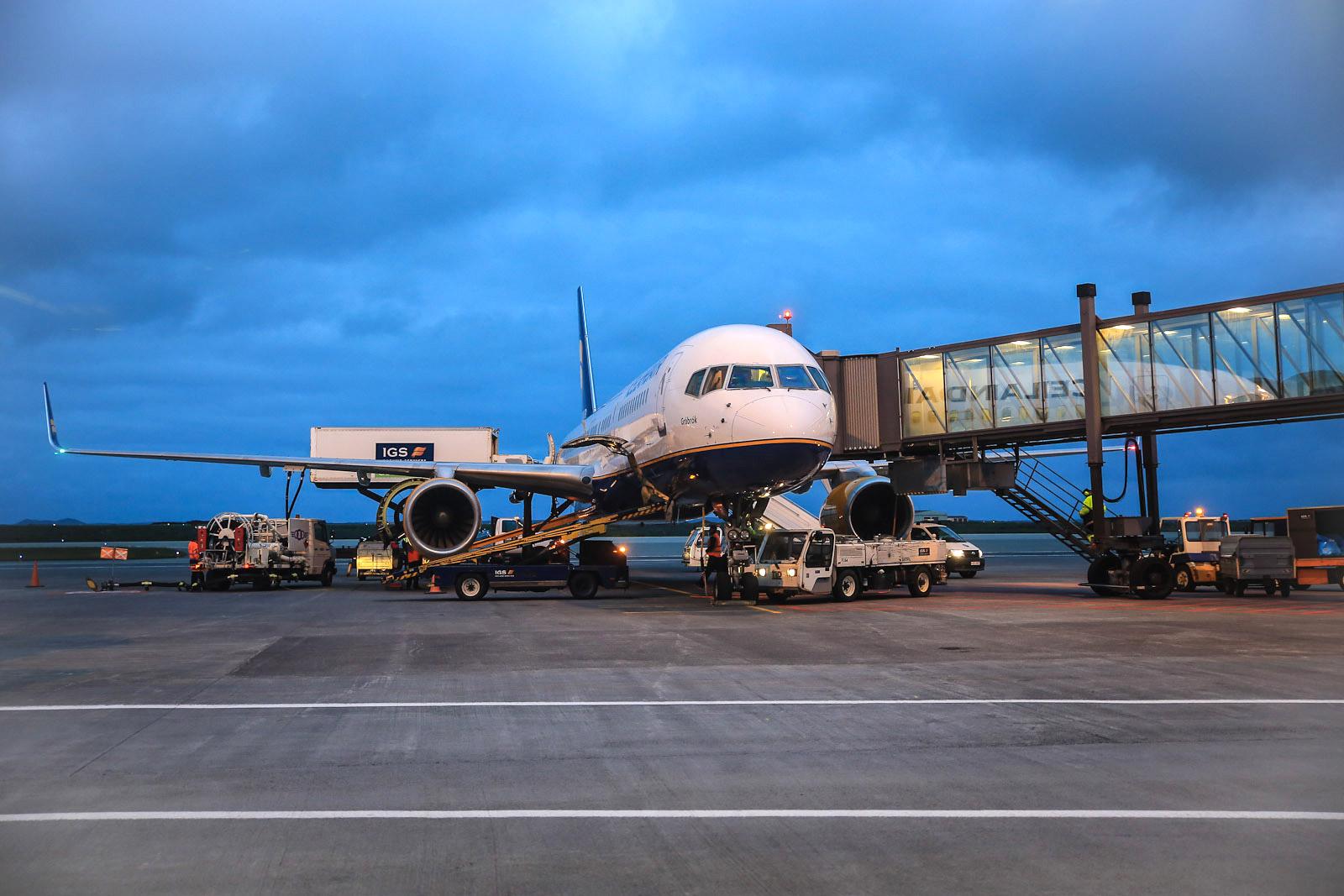 Боинг-757-200 авиакомпании Icelandair в аэропорту Рейкьявика