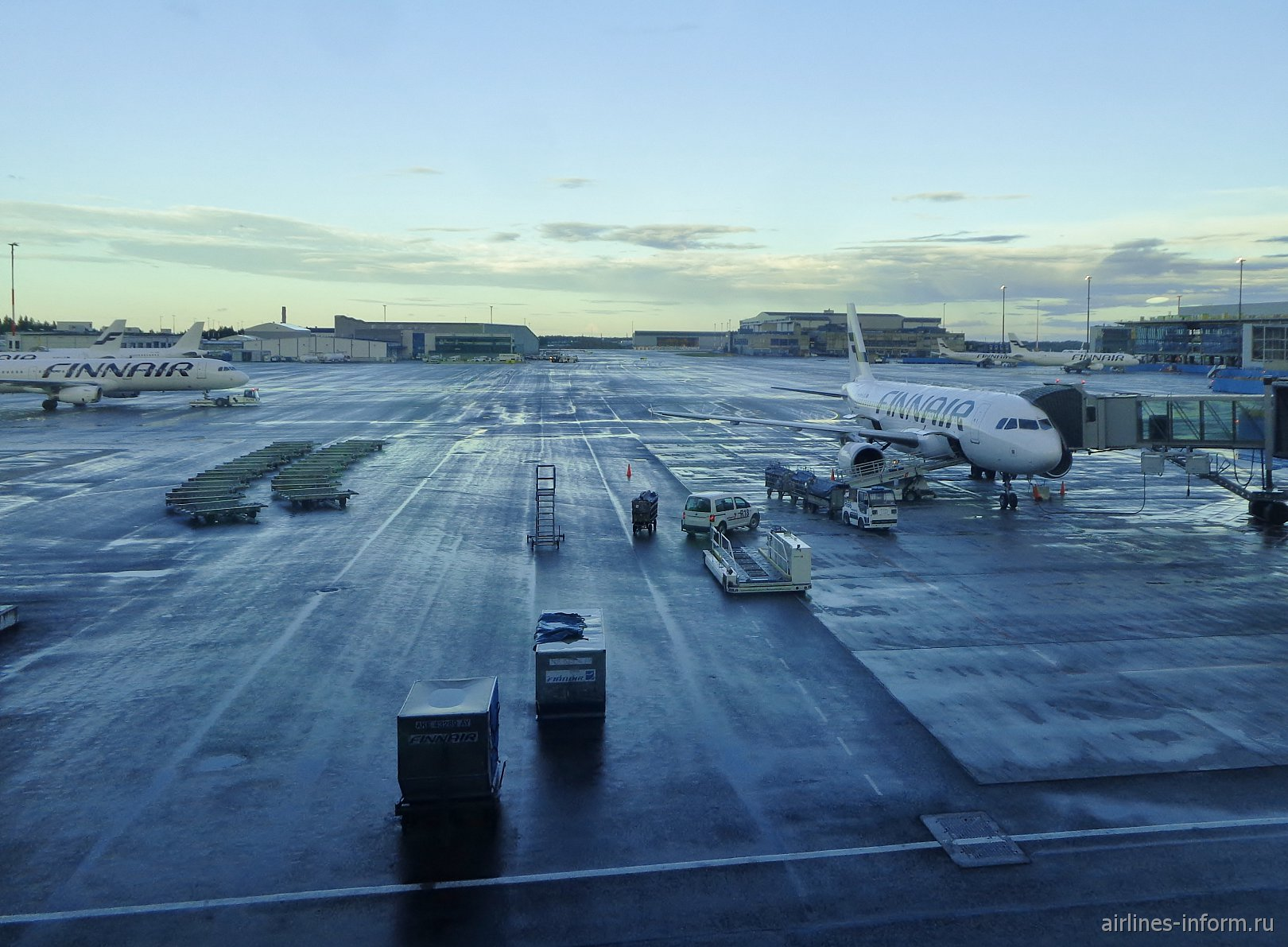 Перрон аэропорта Хельсинки Вантаа
