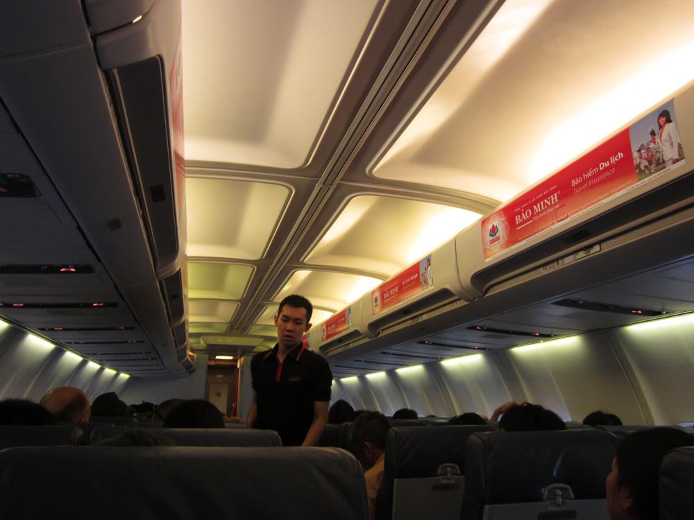 Салон Боинг-737-400 авиакомпании Jetstar Pacific