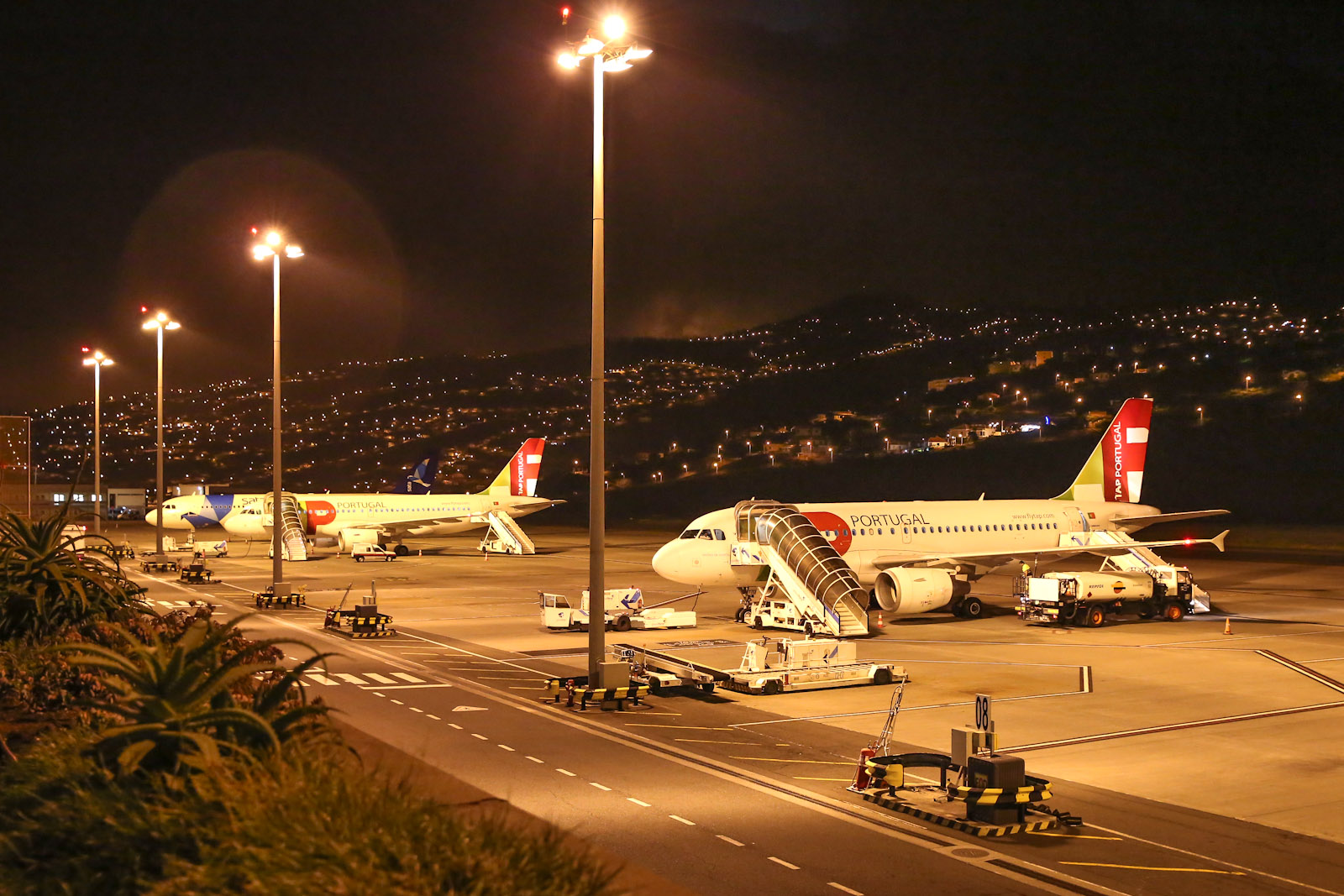 Перрон аэропорта Фуншал на острове Мадейра