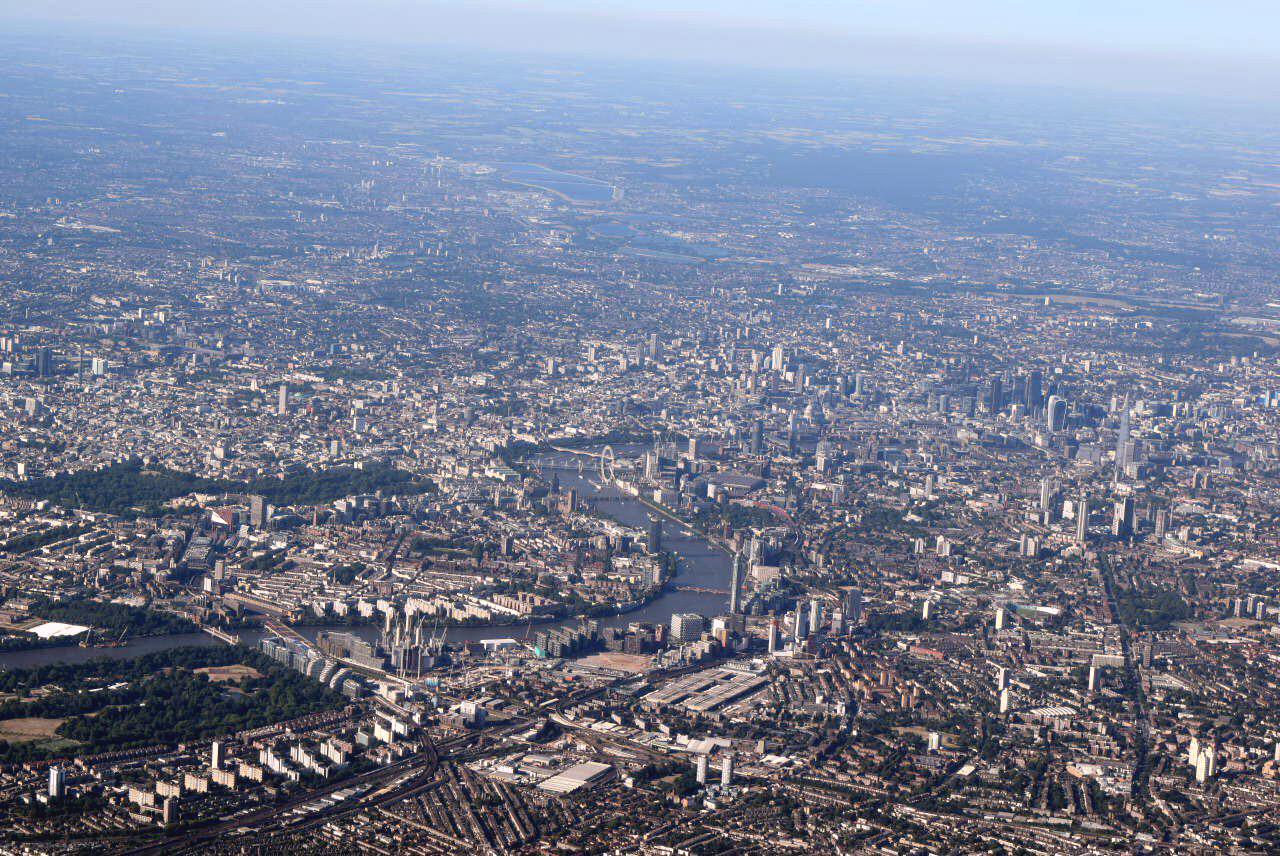 Вид на город Лондон при взлете из аэропорта Хитроу